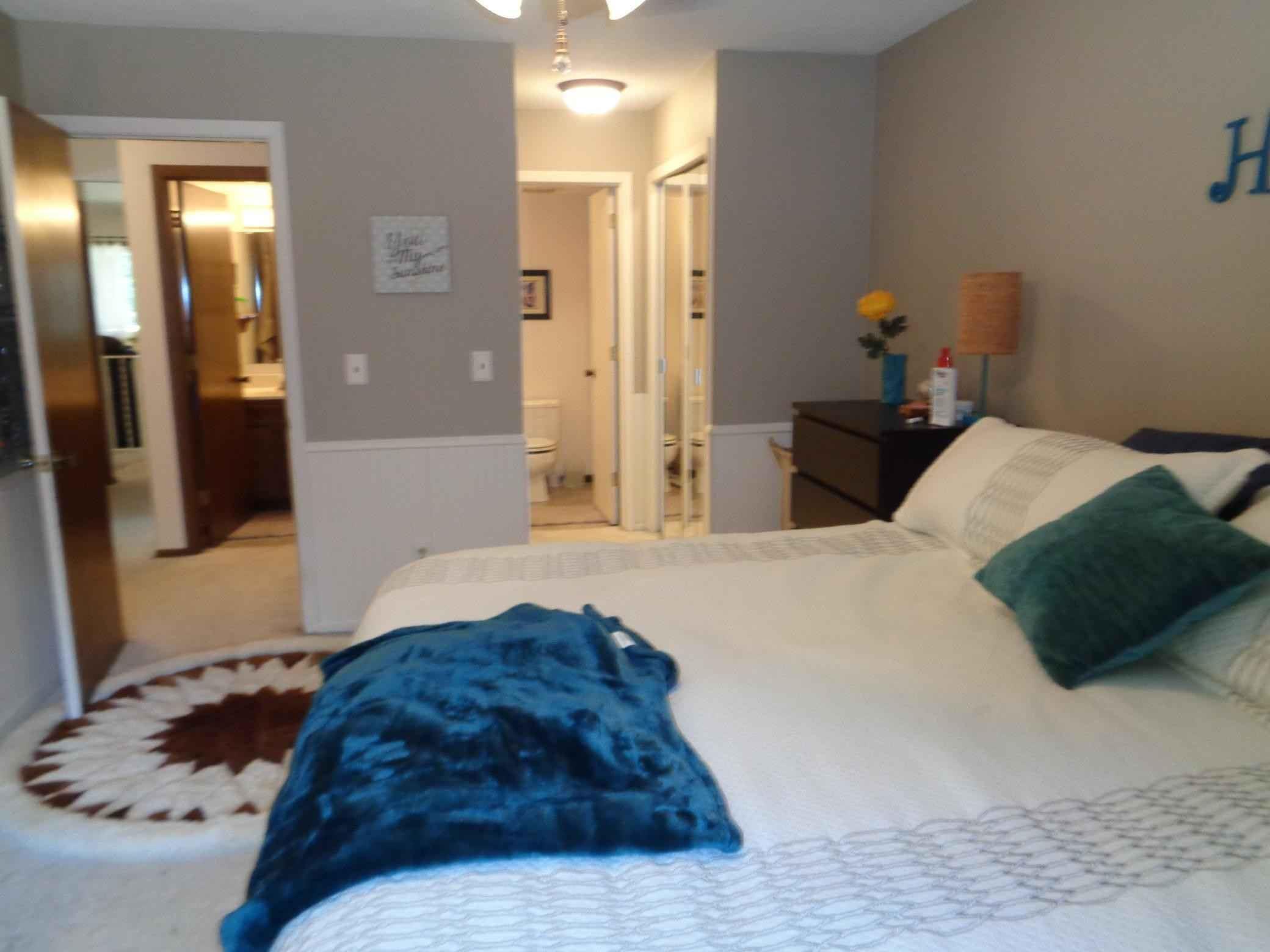 View 9 photos of this 3 bed, 2 bath, and 1,728 sqft. condo home located at 6864 Buckingham Rd, Woodbury, Minnesota 55125 is Active for $250,000.