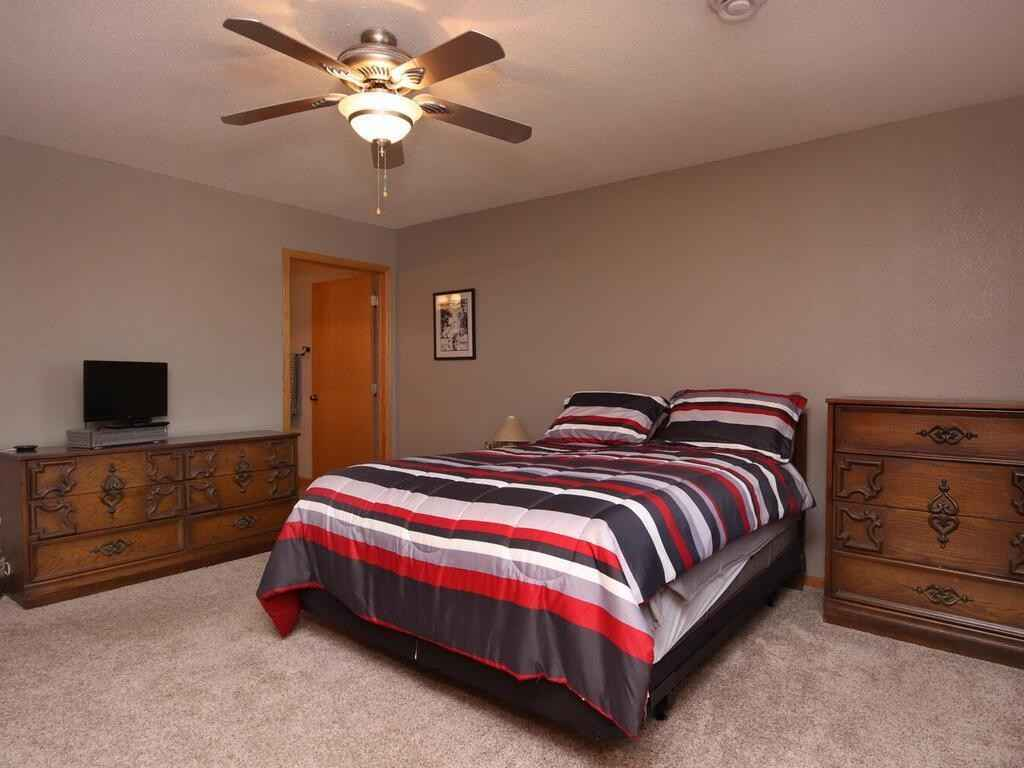 View 30 photos of this 2 bed, 2 bath, and 1,712 sqft. condo home located at 439 4th Ave SE, Lonsdale, Minnesota 55046 is Pending for $240,000.