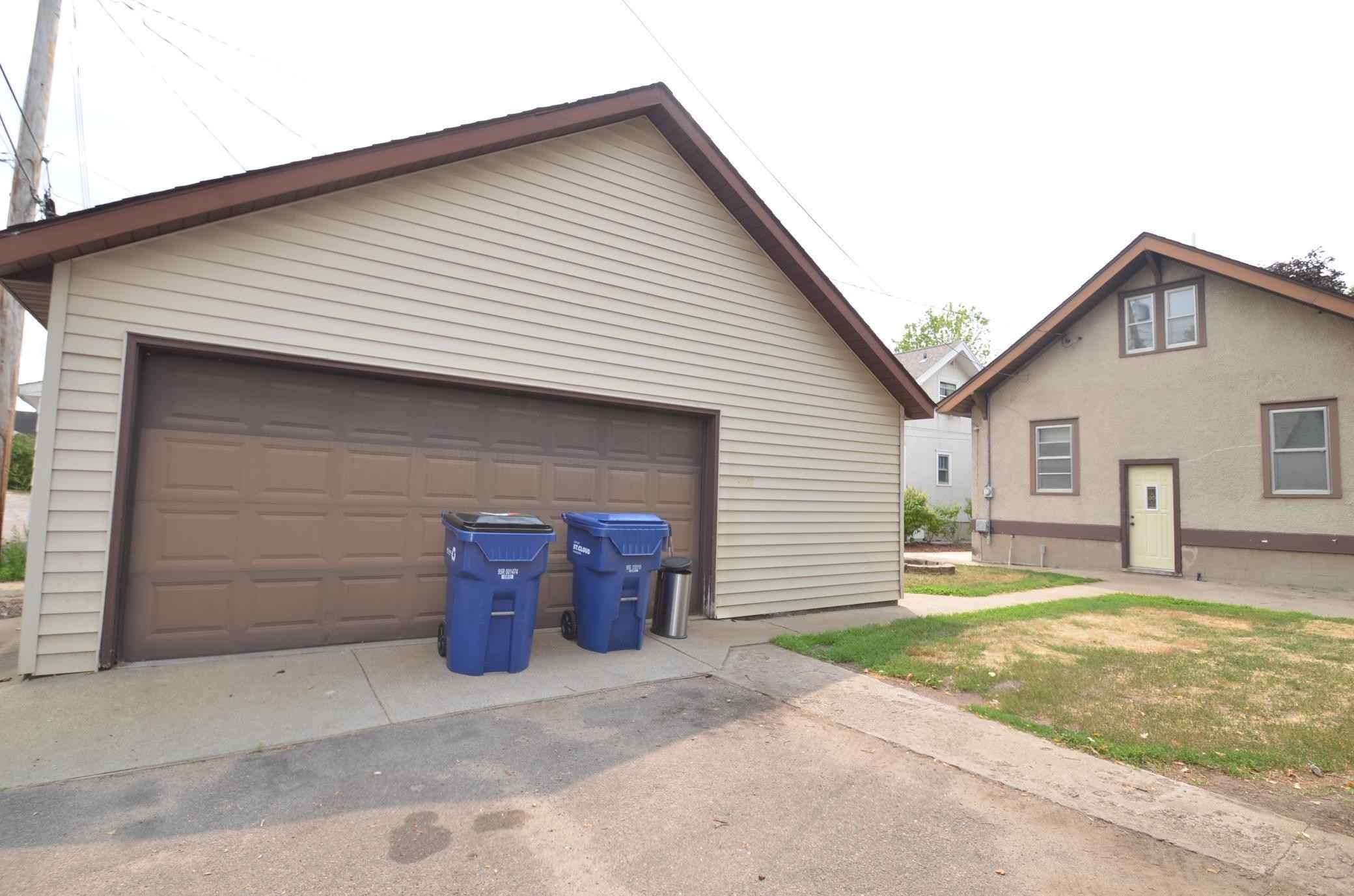 View 35 photos of this 3 bed, 3 bath, and 2,491 sqft. single_family home located at 122 16th Ave S, Saint Cloud, Minnesota 56301 is Pending for $169,900.