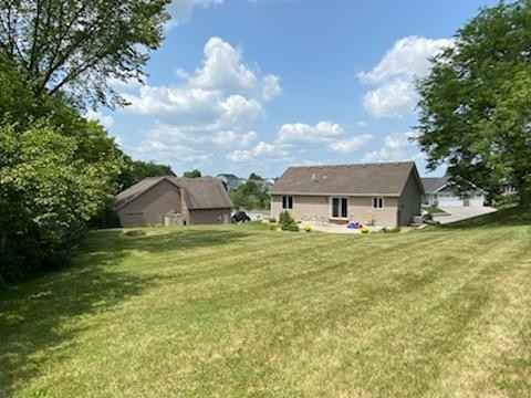 View 22 photos of this 4 bed, 2 bath, and 1,825 sqft. single_family home located at 1082 Southern Ridge Dr SW, Rochester, Minnesota 55902 is Pending for $350,000.