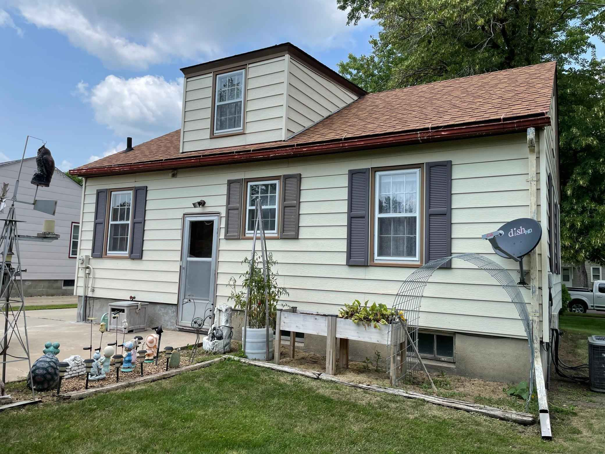 View 19 photos of this 3 bed, 1 bath, and 1,553 sqft. single_family home located at 302 W Okabena St, Worthington, Minnesota 56187 is Pending for $145,000.