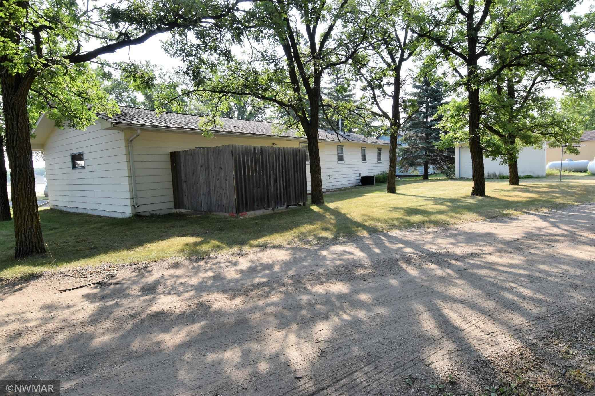 View 4 photos of this 2 bed, 2 bath, and 816 sqft. single_family home located at 801 Main St S, Karlstad, Minnesota 56732 is Active for $79,000.