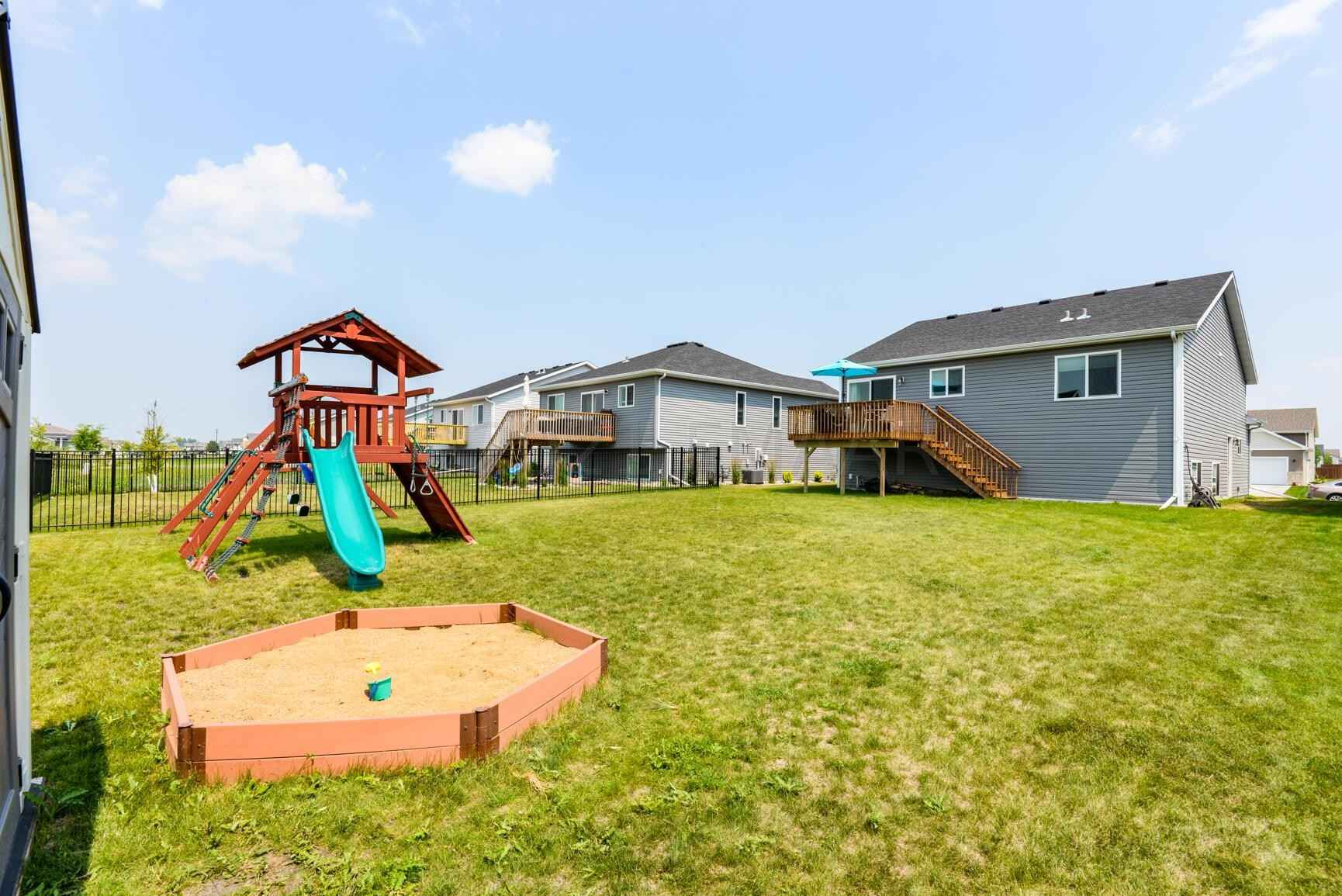 View 52 photos of this 3 bed, 2 bath, and 1,913 sqft. single_family home located at 4557 13th St S, Moorhead, Minnesota 56560 is Active for $271,400.