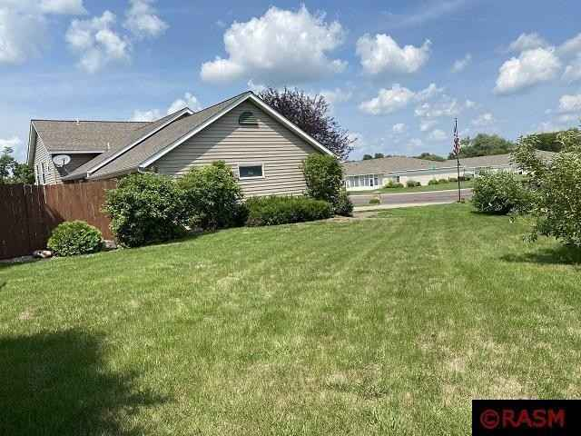 View 21 photos of this 5 bed, 3 bath, and 2,076 sqft. single_family home located at 903 1st St N, Saint James, Minnesota 56081 is Active for $230,000.