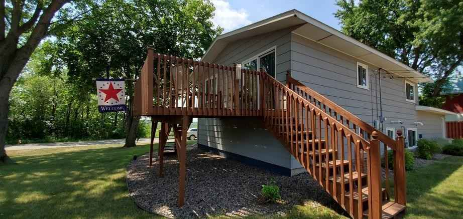 View 32 photos of this 3 bed, 2 bath, and 1,728 sqft. single_family home located at 836 Evans Rd, Montevideo, Minnesota 56265 is Pending for $142,800.