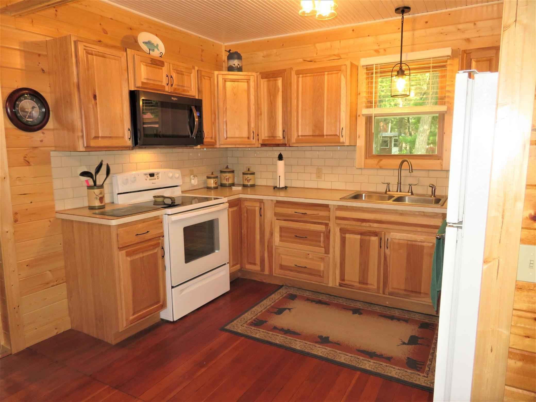 View 10 photos of this 2 bed, 1 bath, and 1,040 sqft. single_family home located at 3113 Thoroughfare Dr, Cushing, Minnesota 56443 is Active for $429,700.