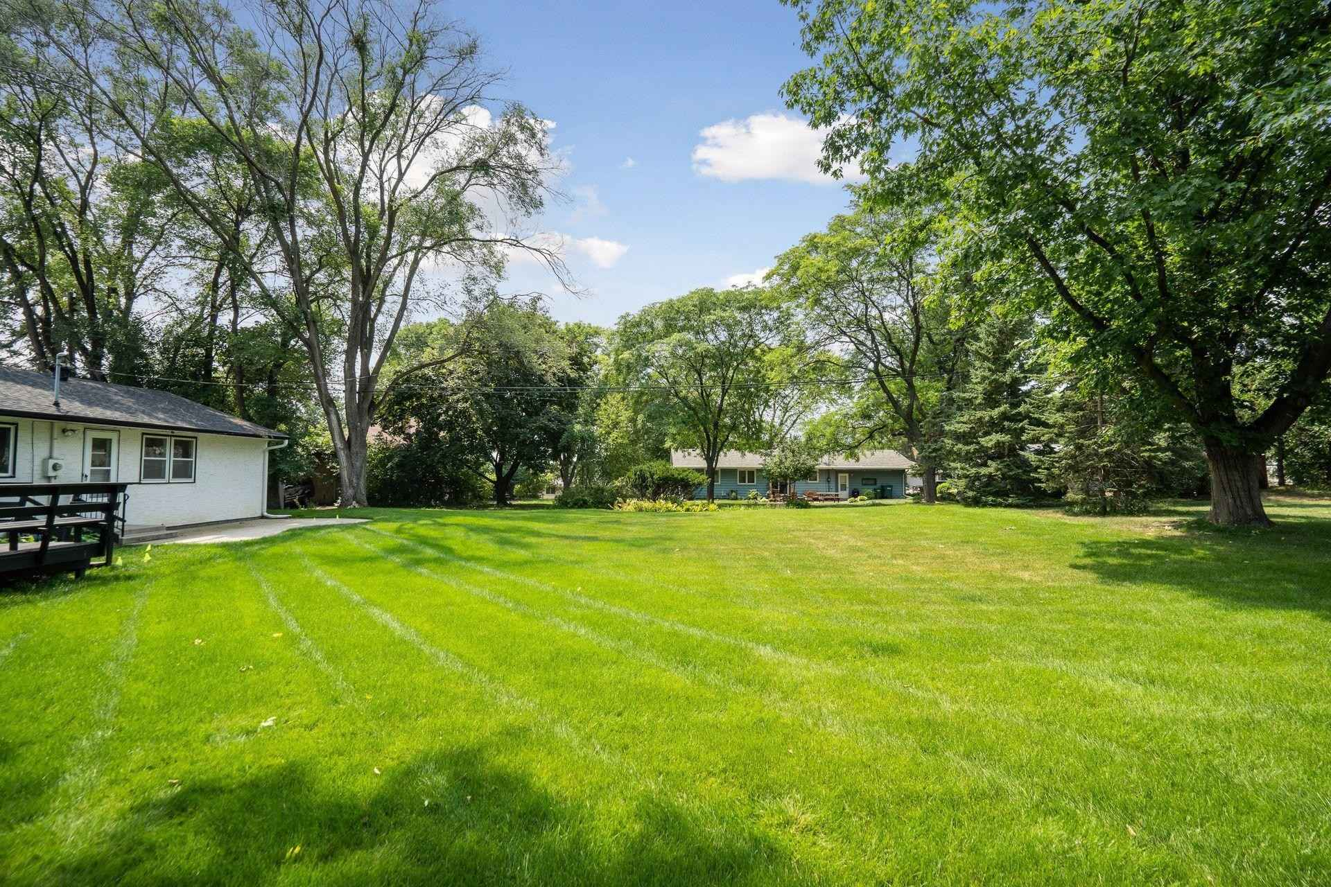 View 40 photos of this 2 bed, 2 bath, and 1,675 sqft. single_family home located at 403 County Road B W, Roseville, Minnesota 55113 is Active for $275,000.