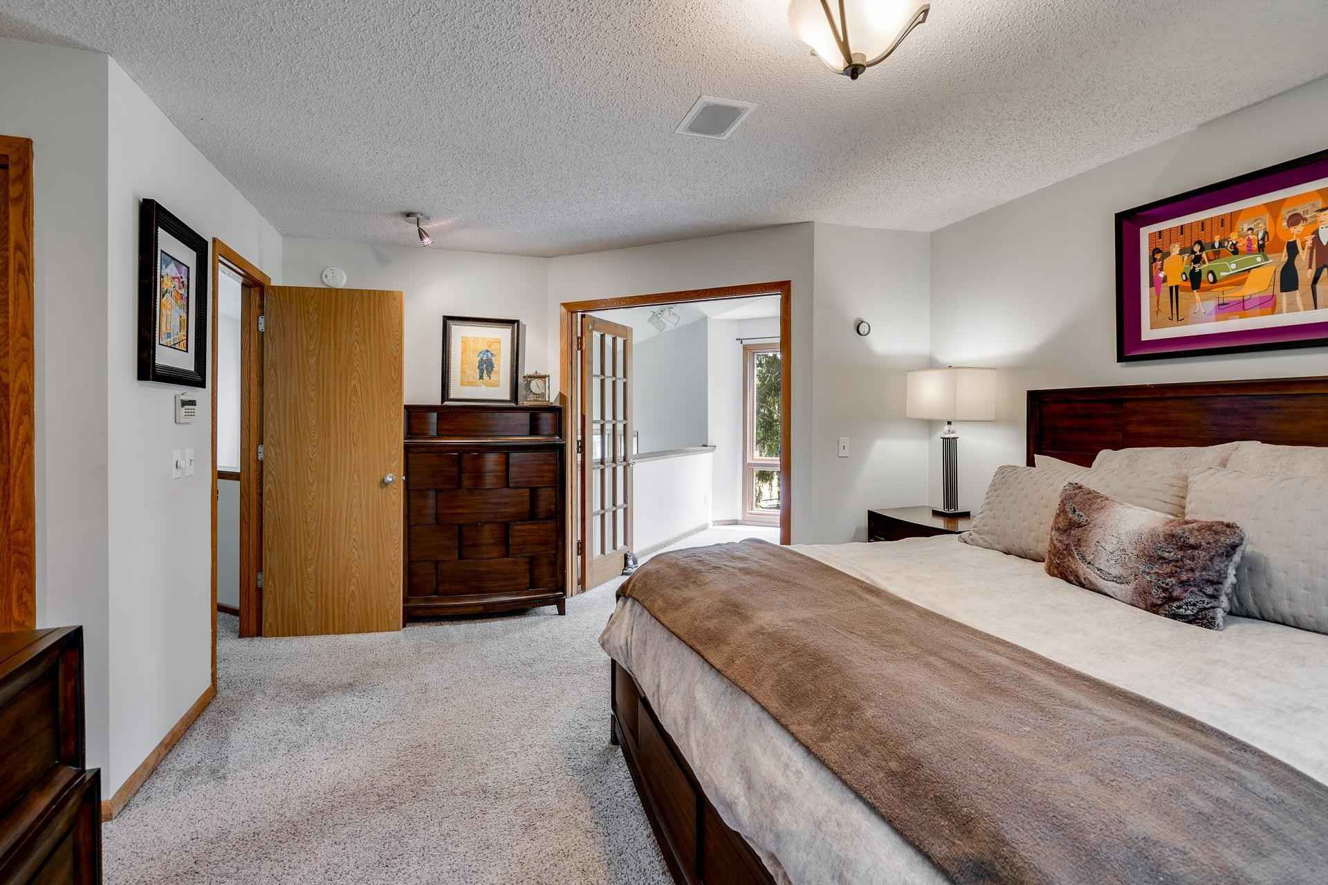 View 39 photos of this 3 bed, 4 bath, and 3,072 sqft. condo home located at 6868 Stonewood Ct, Eden Prairie, Minnesota 55346 is Active for $495,000.