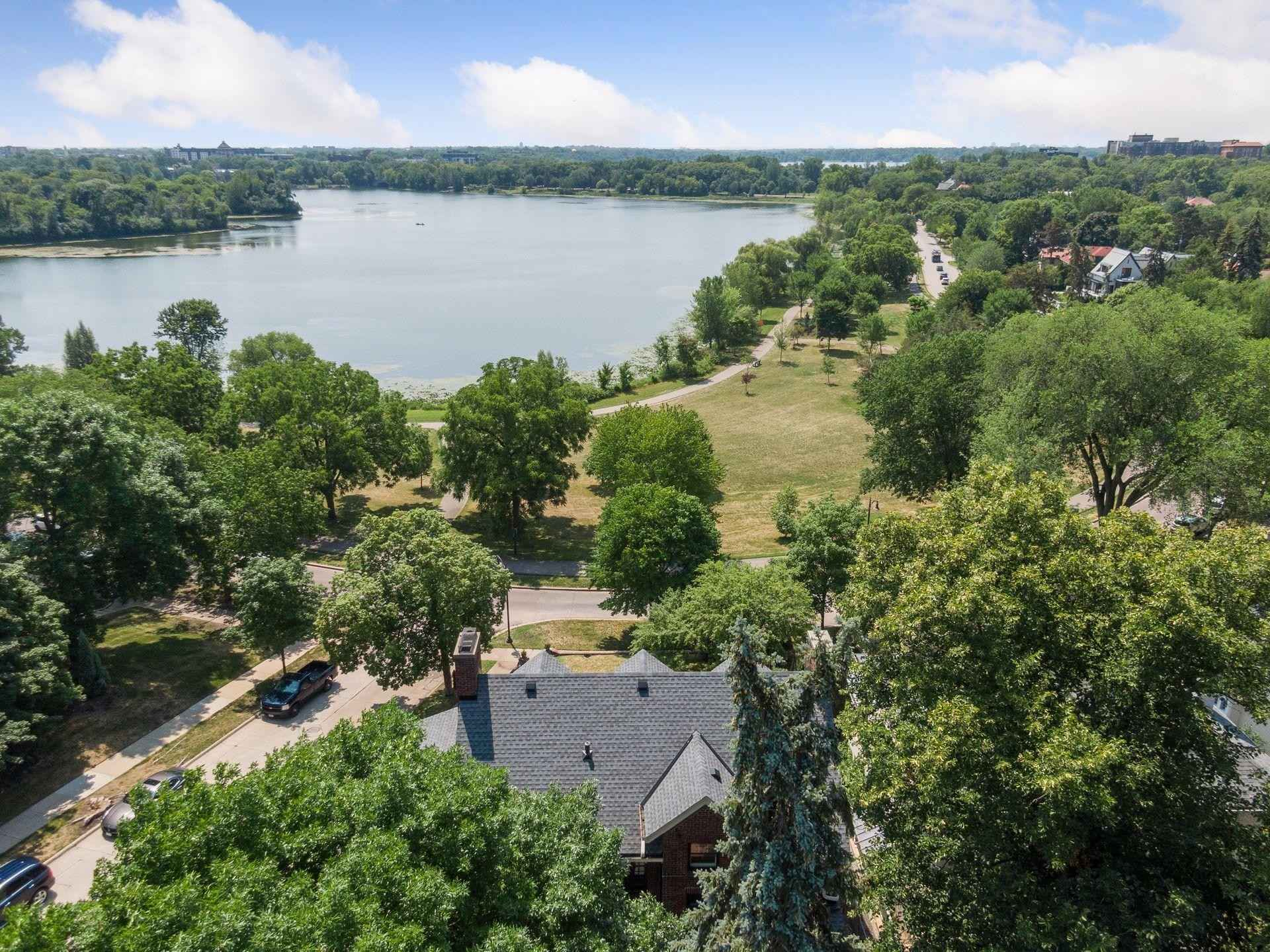 View 59 photos of this 4 bed, 4 bath, and 4,430 sqft. single_family home located at 2500 W Lake of the Isles Pkwy, Minneapolis, Minnesota 55405 is Active for $1,695,000.