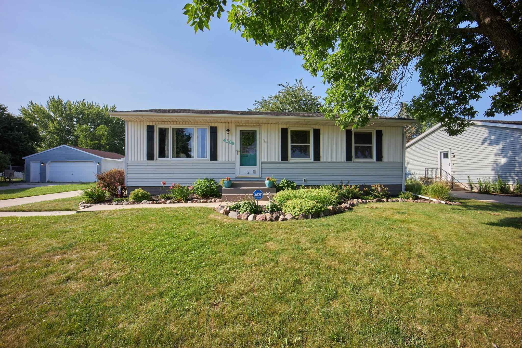 View 23 photos of this 3 bed, 2 bath, and 1,728 sqft. single_family home located at 4369 Cimarron Ct NW, Rochester, Minnesota 55901 is Pending for $239,900.