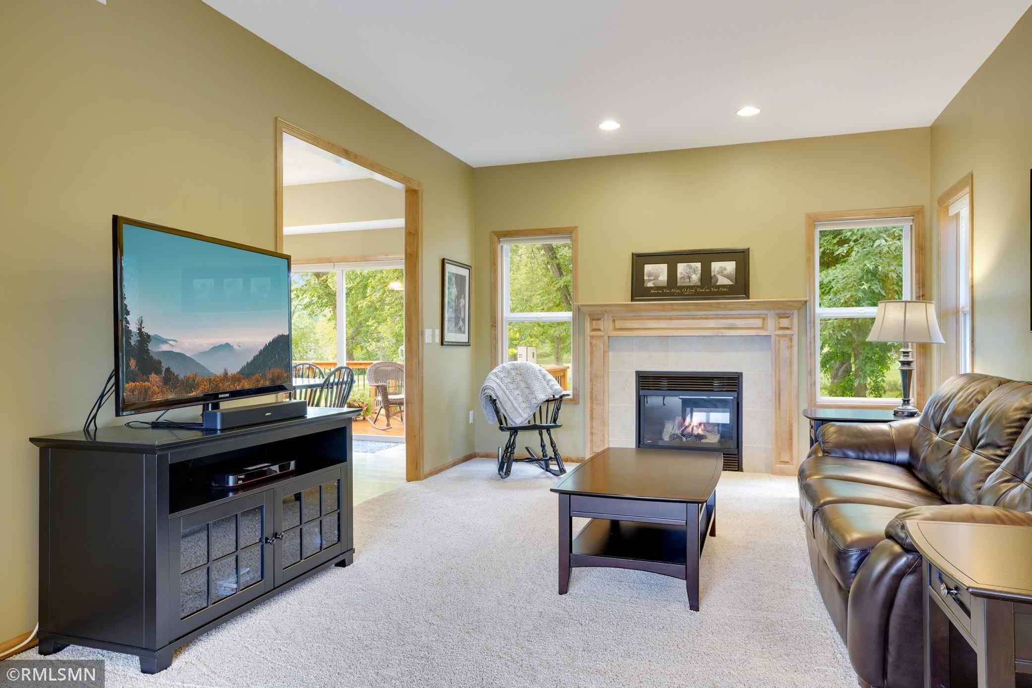 View 48 photos of this 5 bed, 4 bath, and 3,215 sqft. single_family home located at 17395 Killarney Ave, Prior Lake, Minnesota 55372 is Pending for $650,000.