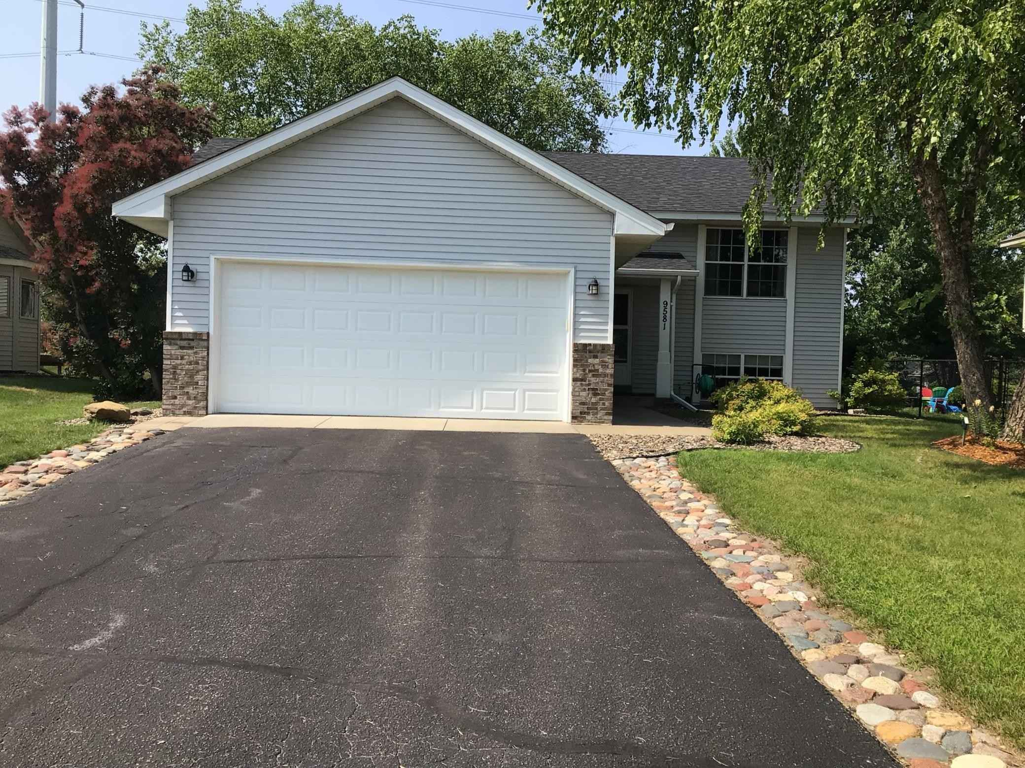 View 18 photos of this 4 bed, 2 bath, and 2,144 sqft. single_family home located at 9581 78th St S, Cottage Grove, Minnesota 55016 is Pending for $350,000.