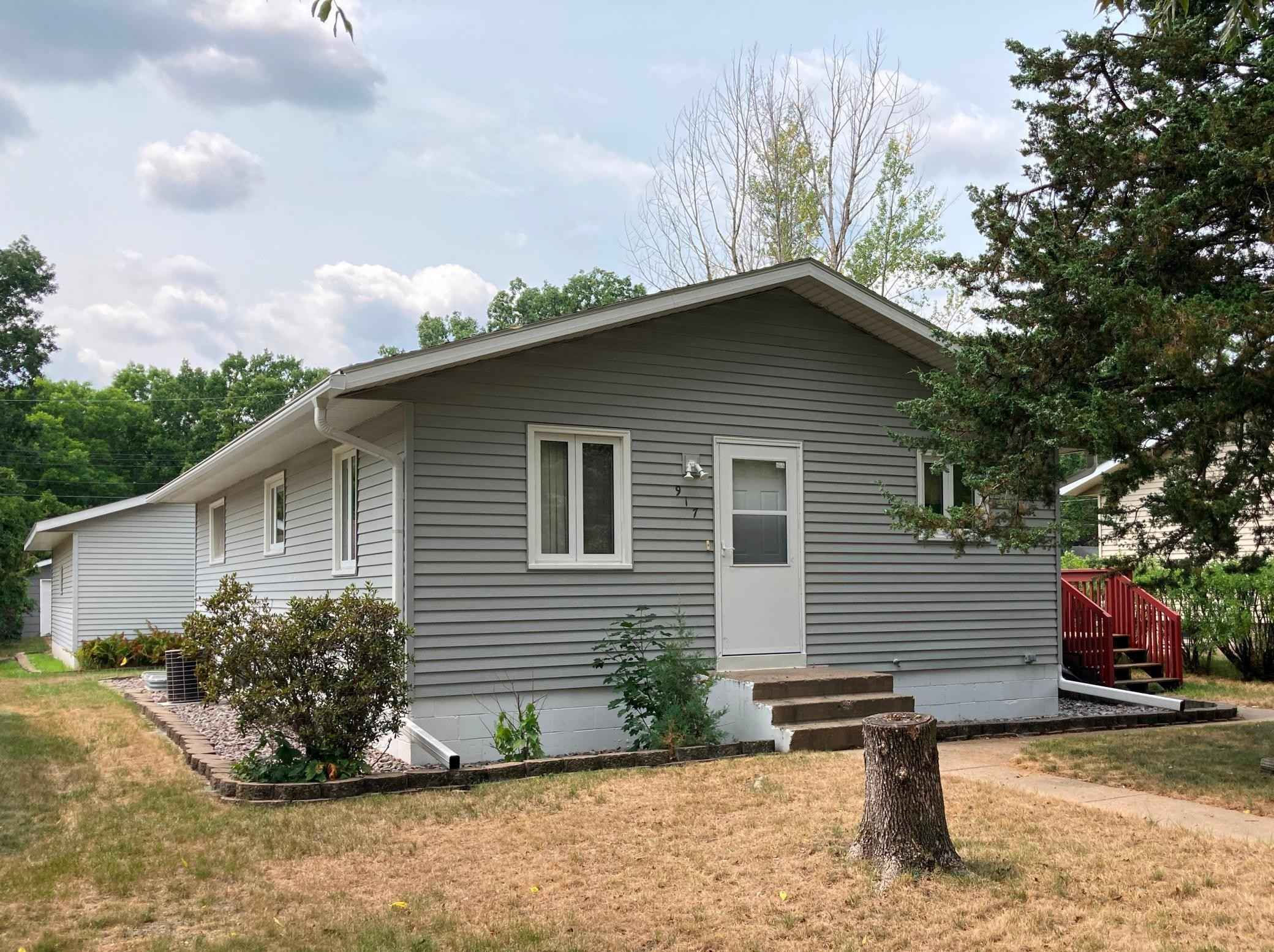 View 15 photos of this 5 bed, 2 bath, and 1,310 sqft. single_family home located at 917 12th Ave SE, Saint Cloud, Minnesota 56304 is Pending for $169,900.