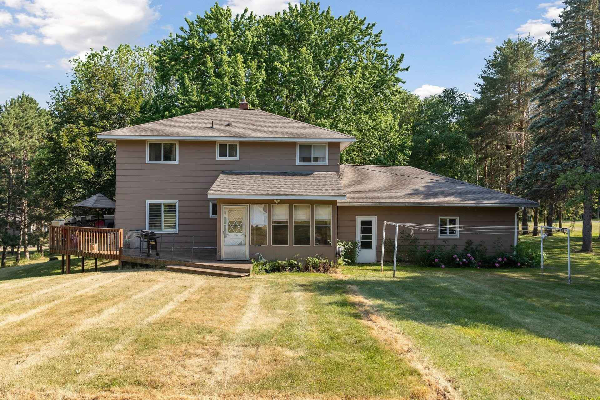View 53 photos of this 4 bed, 3 bath, and 2,224 sqft. single_family home located at 8370 39th St N, Lake Elmo, Minnesota 55042 is Pending for $400,000.