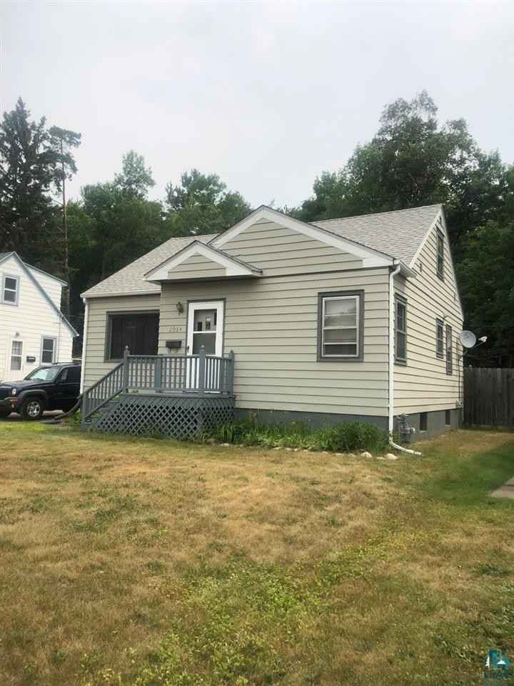 View 20 photos of this 3 bed, 1 bath, and 1,242 sqft. single_family home located at 2034 Woodland Ave, Duluth, Minnesota 55803 is Inspection cont (mn) for $169,900.