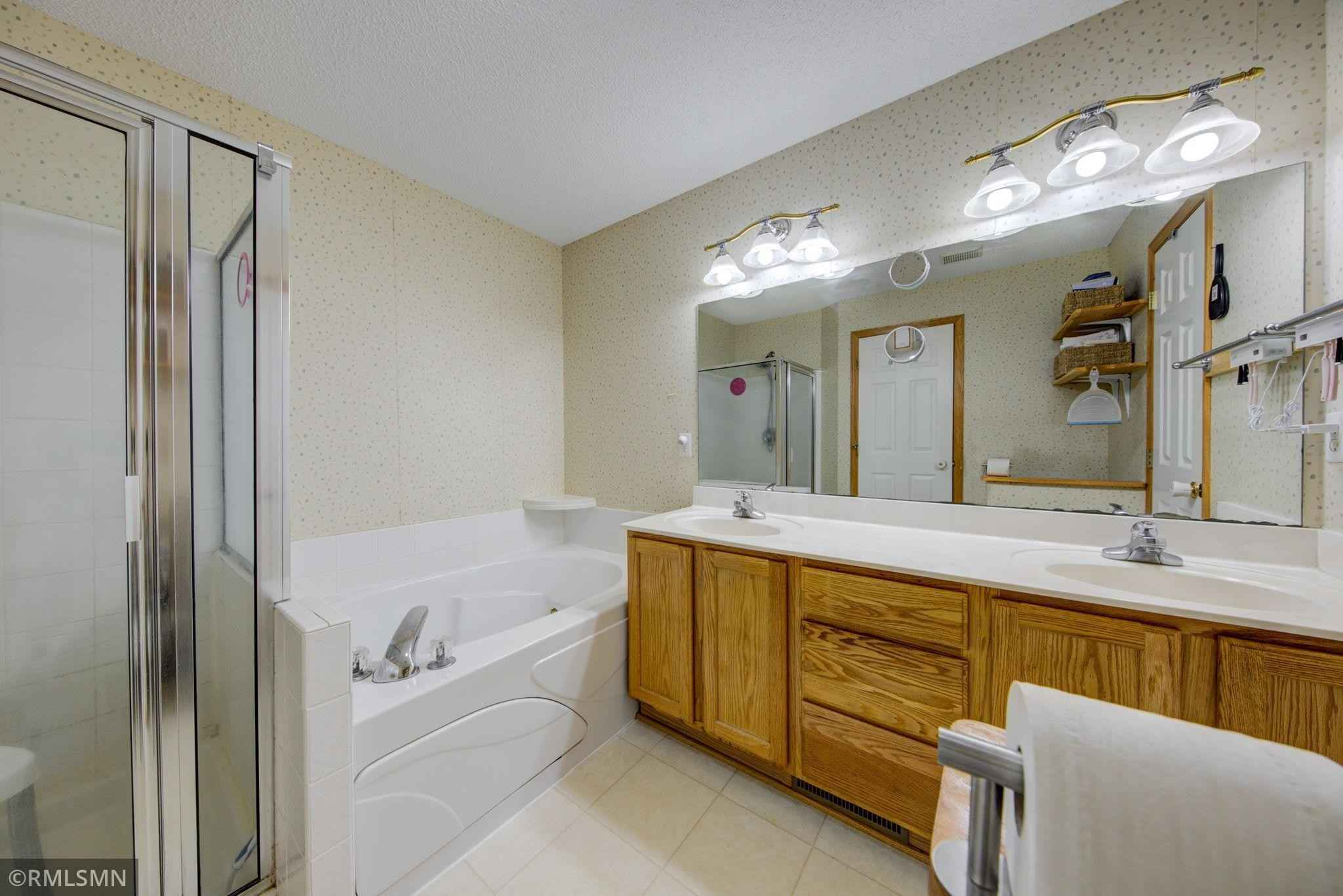 View 20 photos of this 2 bed, 2 bath, and 1,246 sqft. condo home located at 16264 70th Pl N, Maple Grove, Minnesota 55311 is Active for $235,000.