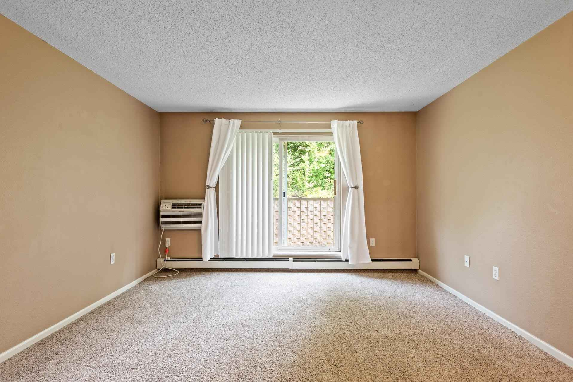 View 27 photos of this 1 bed, 1 bath, and 806 sqft. condo home located at 16955 Toronto Ave SE Apt 218, Prior Lake, Minnesota 55372 is Active for $119,900.