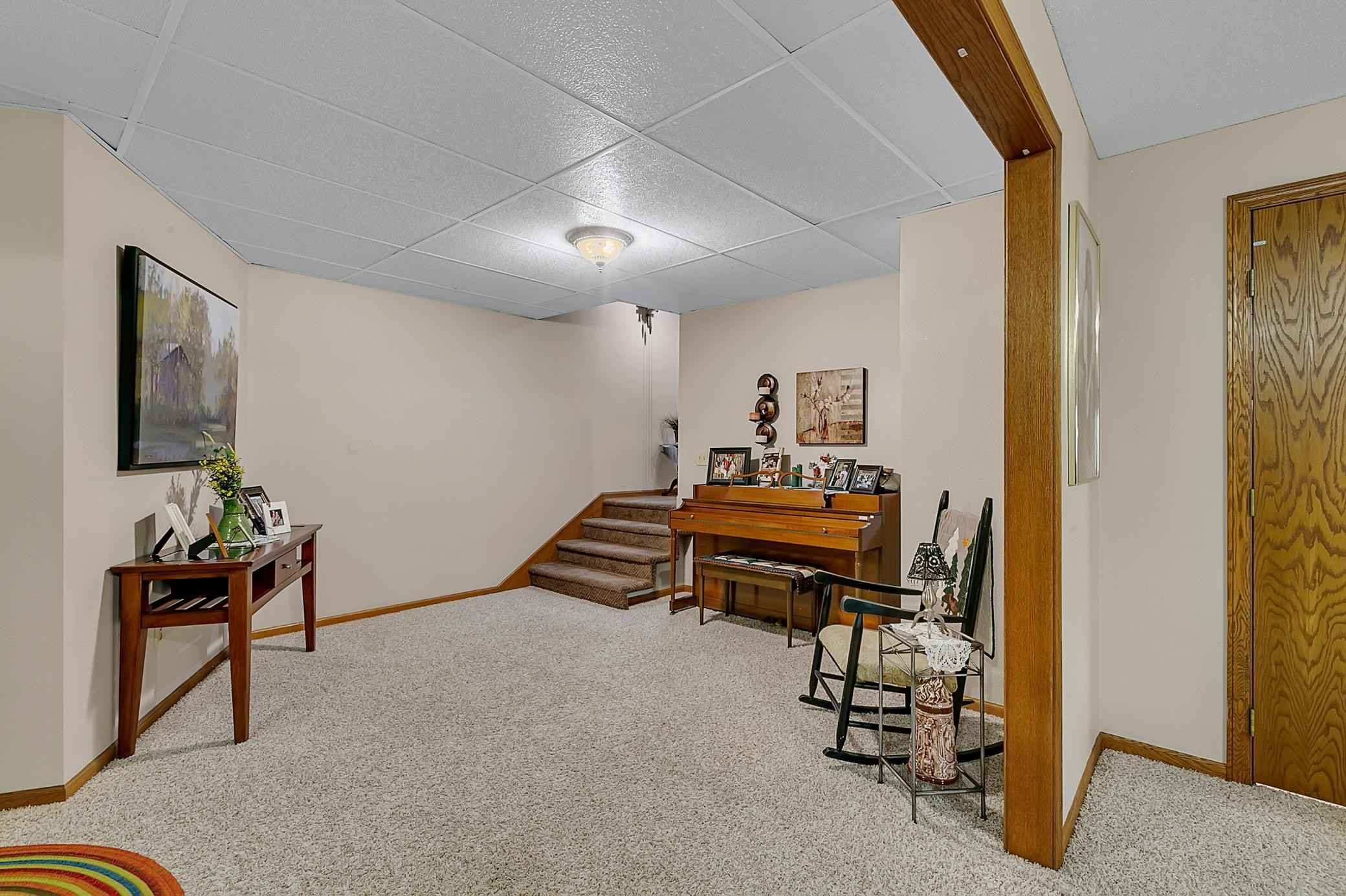 View 40 photos of this 4 bed, 3 bath, and 3,214 sqft. single_family home located at 1709 Red Fox Rd, Saint Cloud, Minnesota 56301 is Pending for $325,000.
