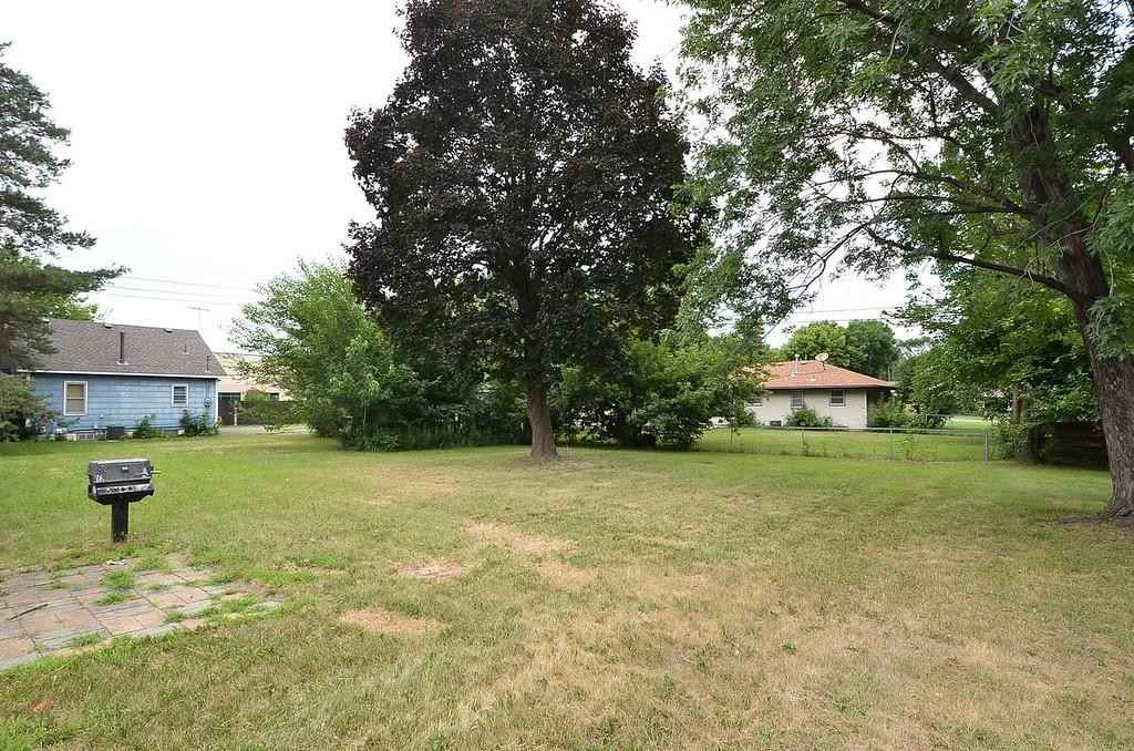 View 17 photos of this 3 bed, 1 bath, and 1,612 sqft. single_family home located at 7616 68th Ave N, Brooklyn Park, Minnesota 55428 is _0 for $254,600.
