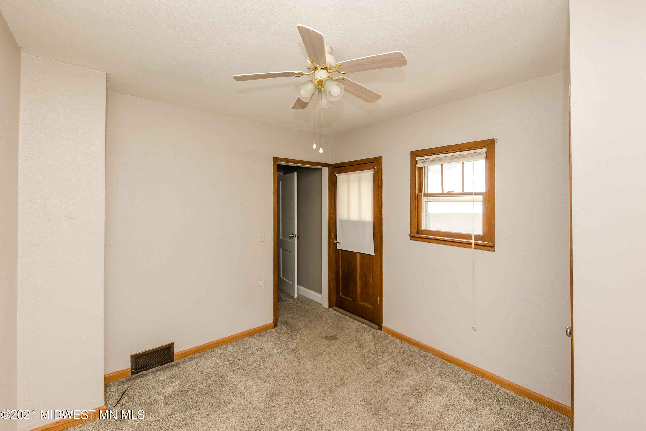 View 31 photos of this 3 bed, 2 bath, and 2,028 sqft. single_family home located at 1119 N Lake St, Fergus Falls, Minnesota 56537 is Active-Contingent for $162,500.