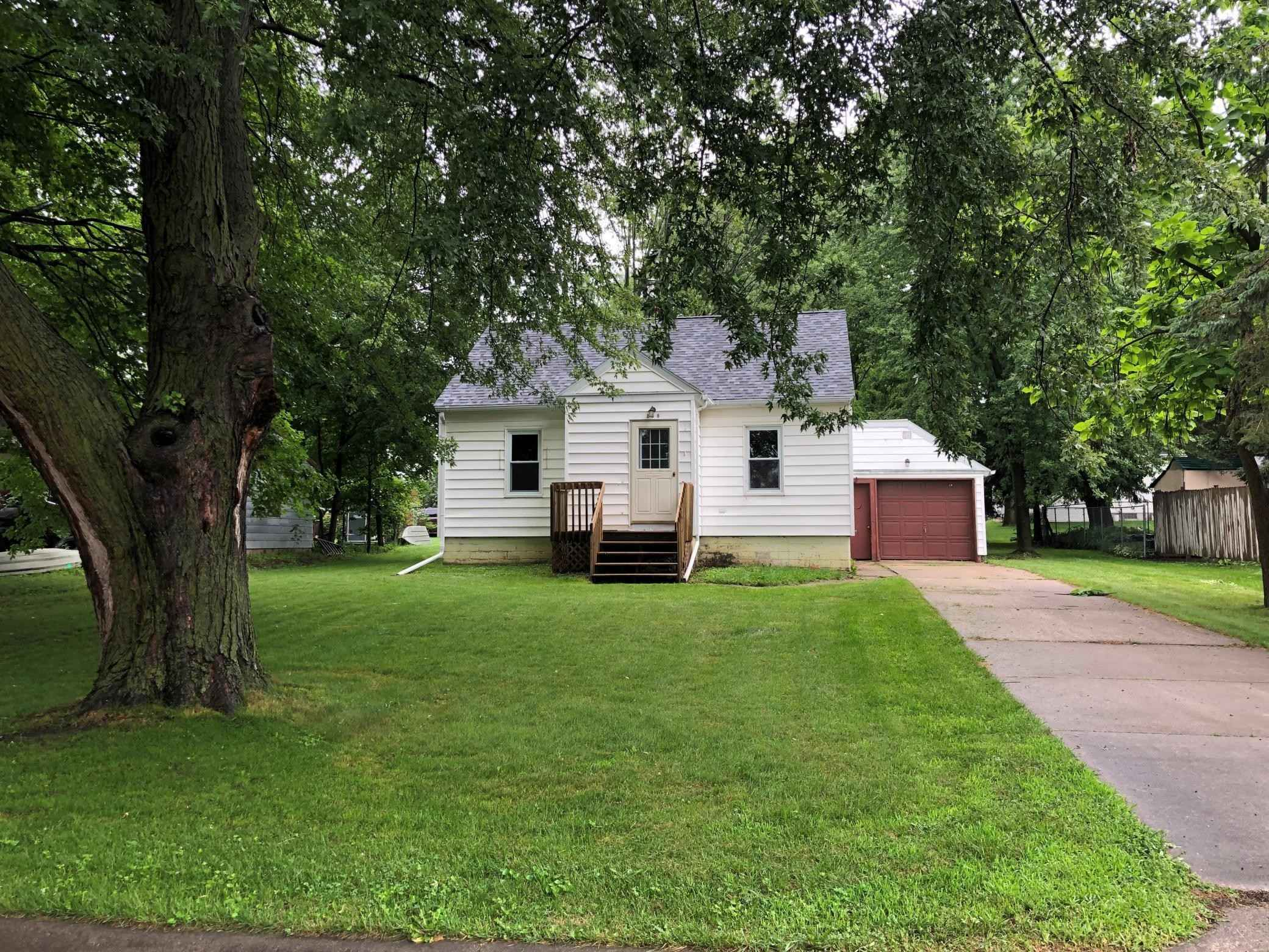 View 25 photos of this 2 bed, 1 bath, and 704 sqft. single_family home located at 308 1st St NW, Grand Meadow, Minnesota 55936 is Active for $134,900.