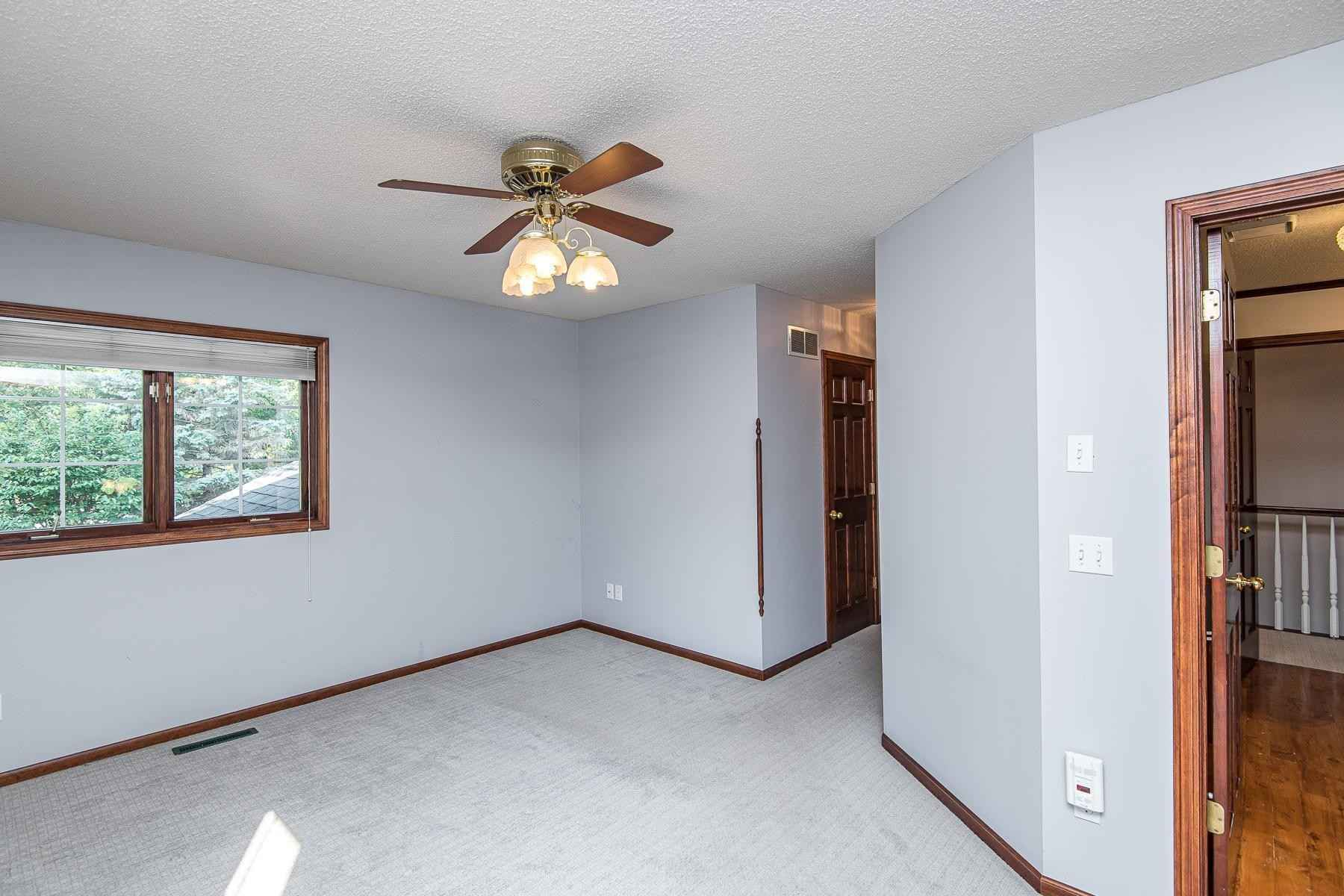 View 23 photos of this 2 bed, 2 bath, and 1,454 sqft. condo home located at 2629 Tuxedo Ln NW, Rochester, Minnesota 55901 is Pending for $219,900.