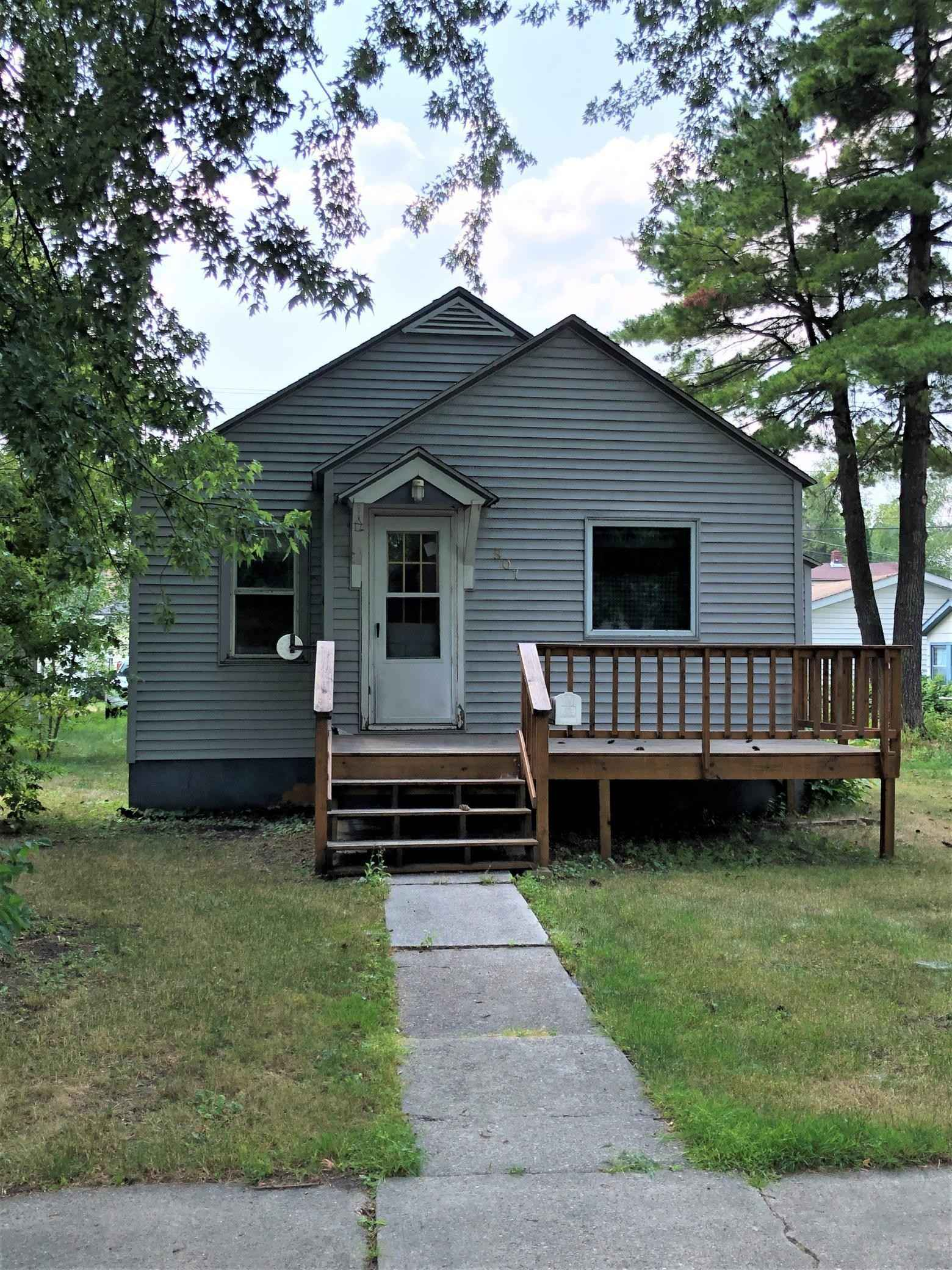 View 16 photos of this 1 bed, 1 bath, and 864 sqft. single_family home located at 807 10th St, International Falls, Minnesota 56649 is Active for $45,000.