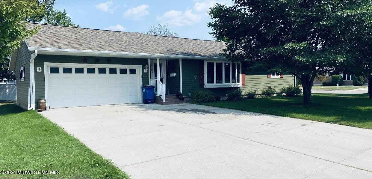 View 1 photos of this 3 bed, 2 bath, and 1,719 sqft. single_family home located at 1216 8th St SW, Wadena, Minnesota 56482 is Active for $249,000.