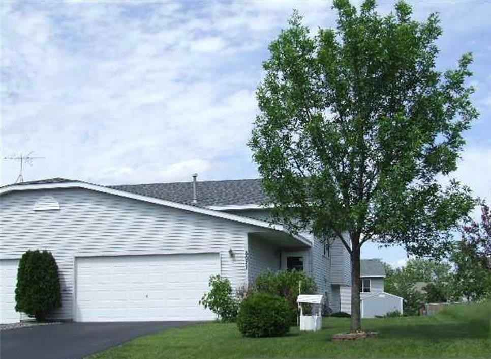 View 1 photos of this 2 bed, 1 bath, and 912 sqft. condo home located at 6077 Mill Run Rd, Monticello, Minnesota 55362 is Pending for $175,000.