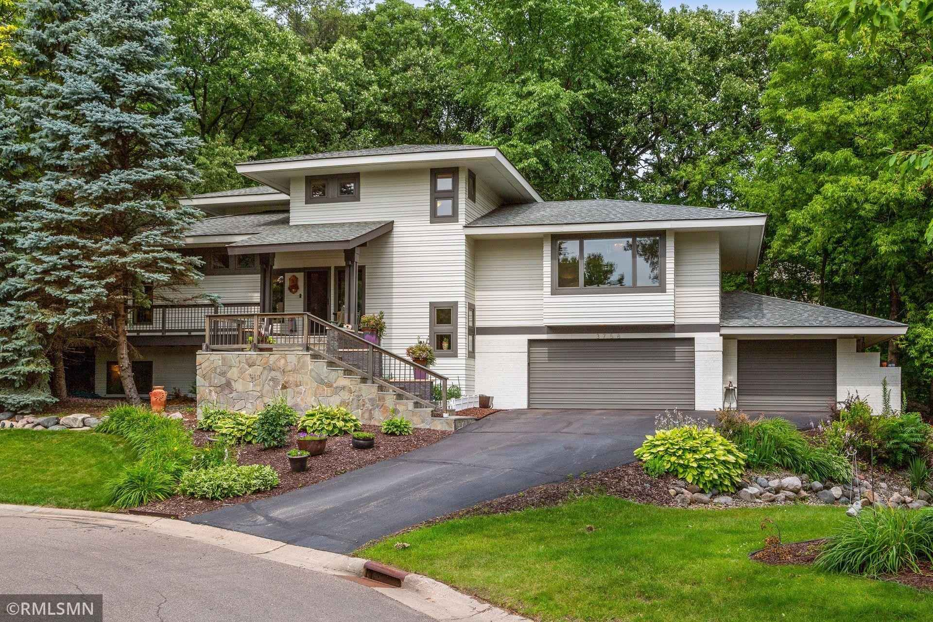 View 38 photos of this 3 bed, 3 bath, and 3,158 sqft. single_family home located at 3758 Linden Ln, Eagan, Minnesota 55123 is Active for $599,000.