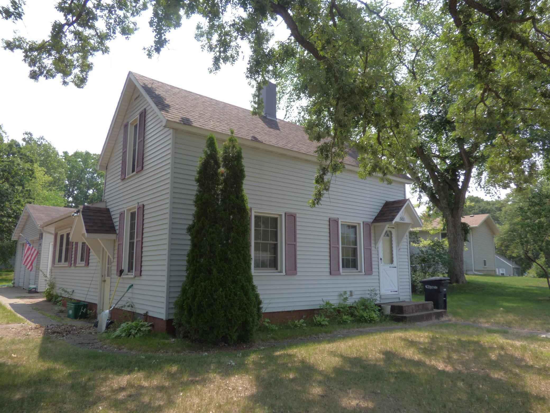 View 7 photos of this 4 bed, 1 bath, and 1,768 sqft. single_family home located at 501 8th St SE, Little Falls, Minnesota 56345 is Active for $95,000.