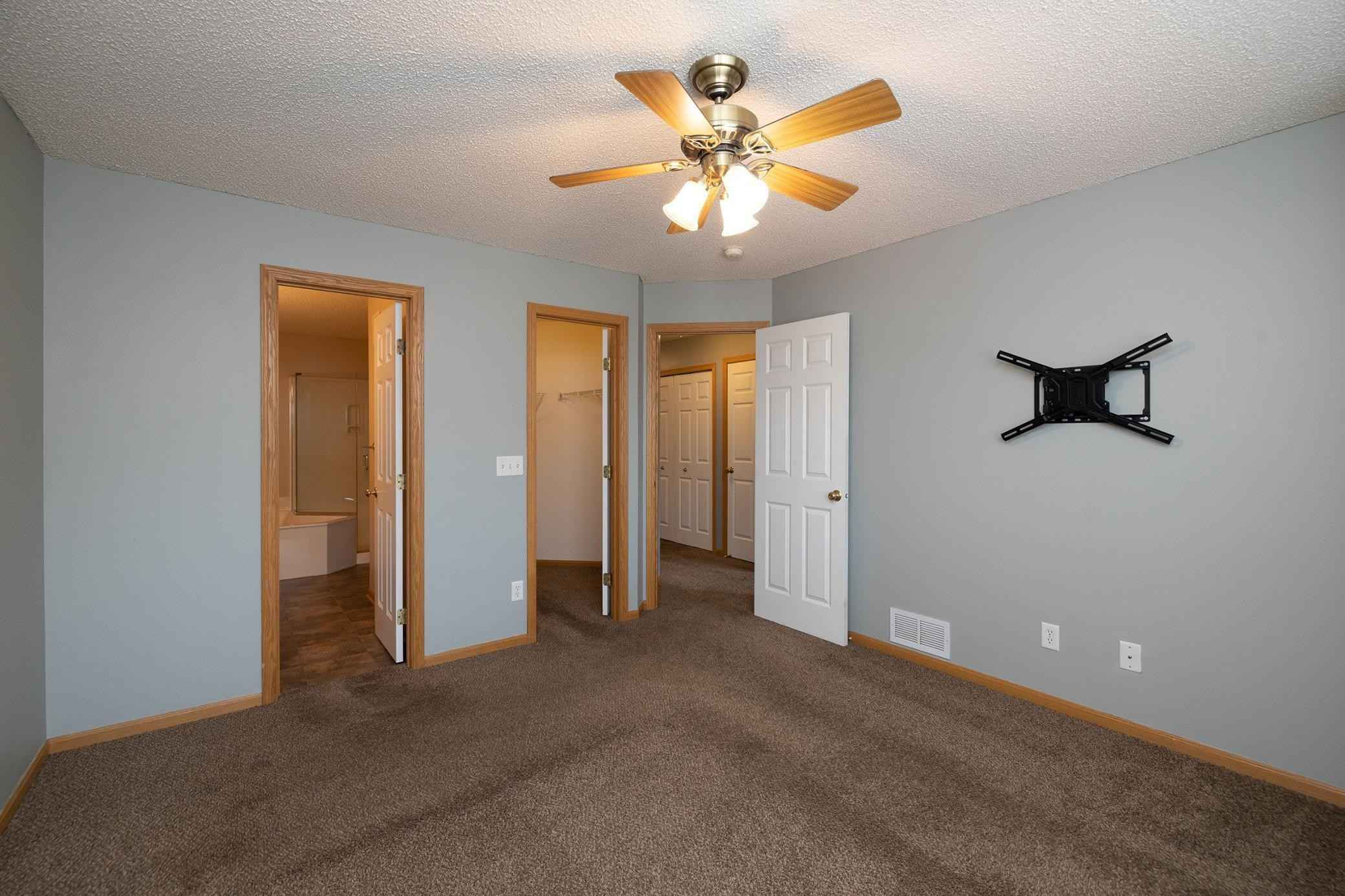 View 28 photos of this 2 bed, 2 bath, and 1,175 sqft. condo home located at 20615 Erin Way Unit 71, Farmington, Minnesota 55024 is Active for $189,900.