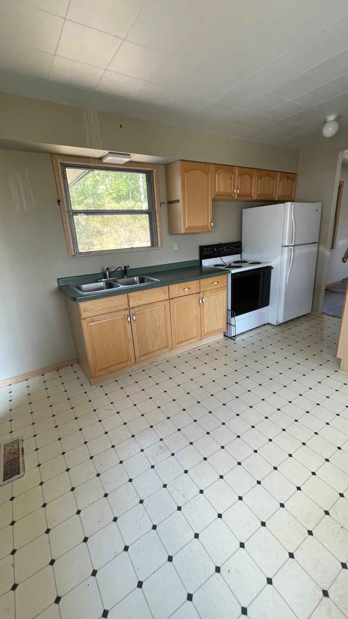 View 4 photos of this 2 bed, 1 bath, and 972 sqft. single_family home located at 32 Burk Dr, Silver Bay, Minnesota 55614 is Active for $109,900.
