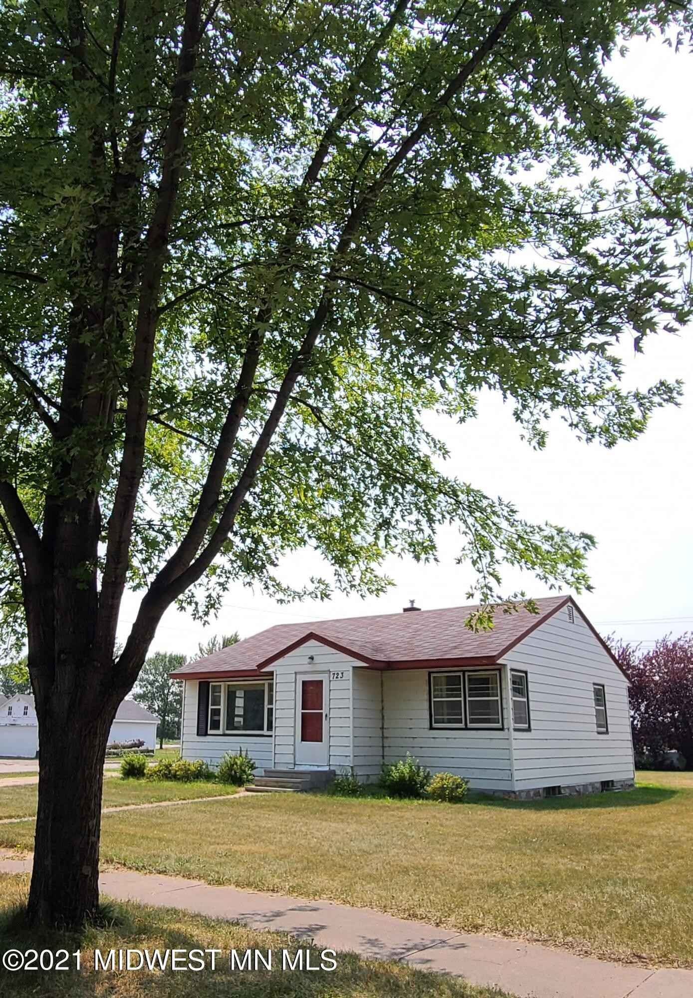 View 31 photos of this 2 bed, 1 bath, and 874 sqft. single_family home located at 723 3rd St SE, Barnesville, Minnesota 56514 is Active for $130,000.