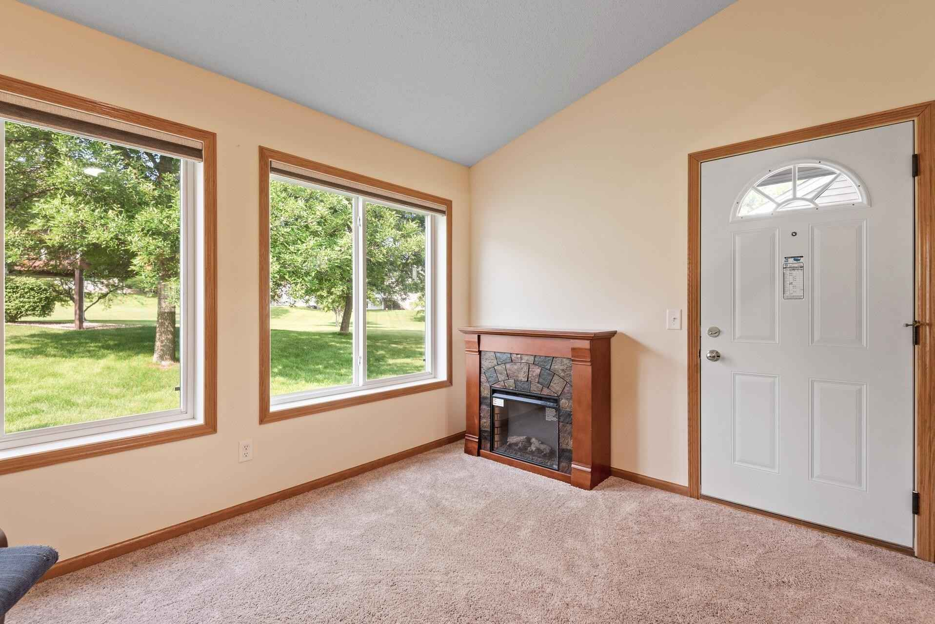 View 22 photos of this 2 bed, 2 bath, and 1,306 sqft. condo home located at 9005 Preserve Trl, Savage, Minnesota 55378 is Active for $254,900.
