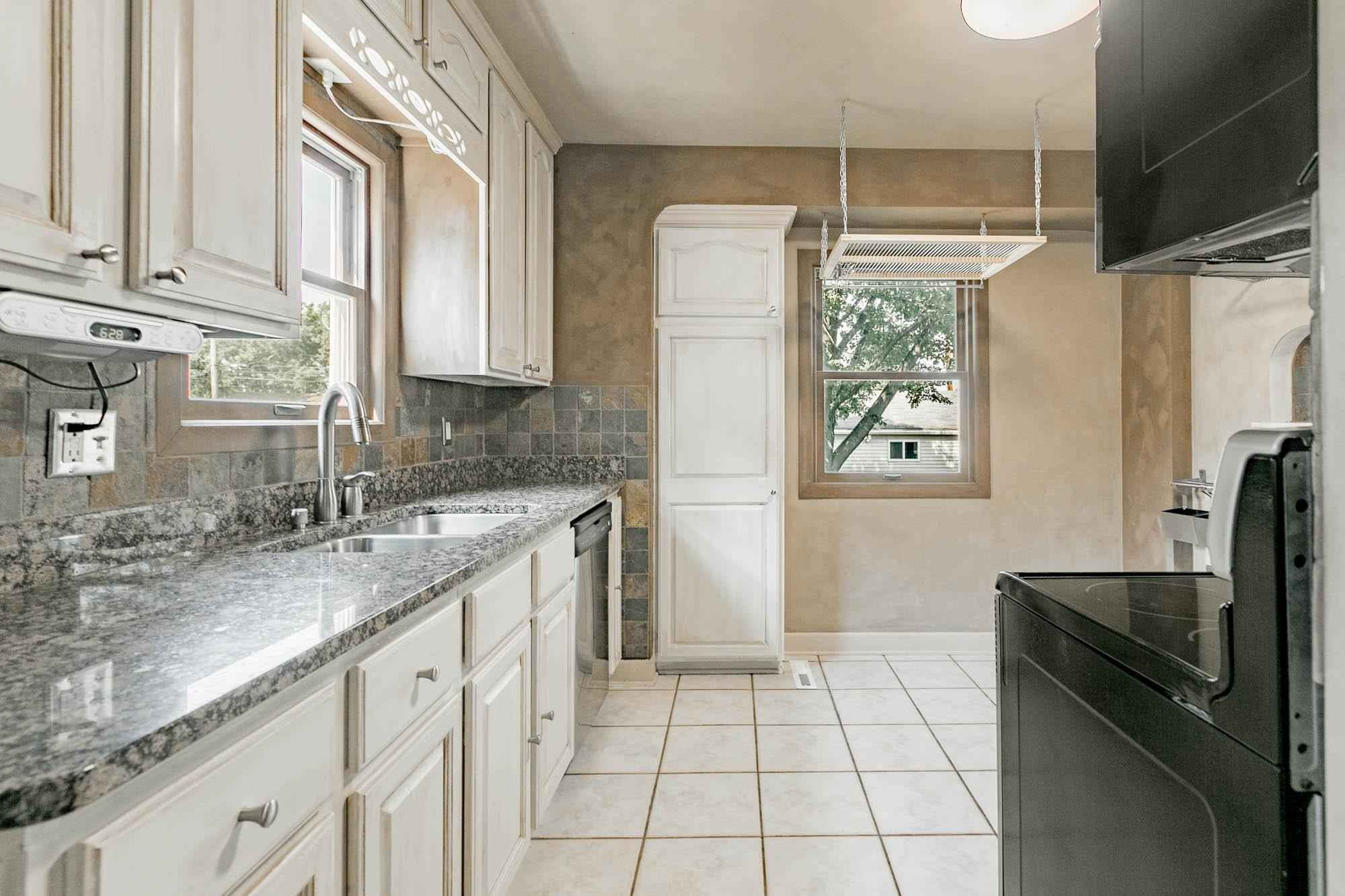 View 33 photos of this 3 bed, 2 bath, and 1,296 sqft. single_family home located at 3649 Quail Ave N, Robbinsdale, Minnesota 55422 is Active for $304,900.