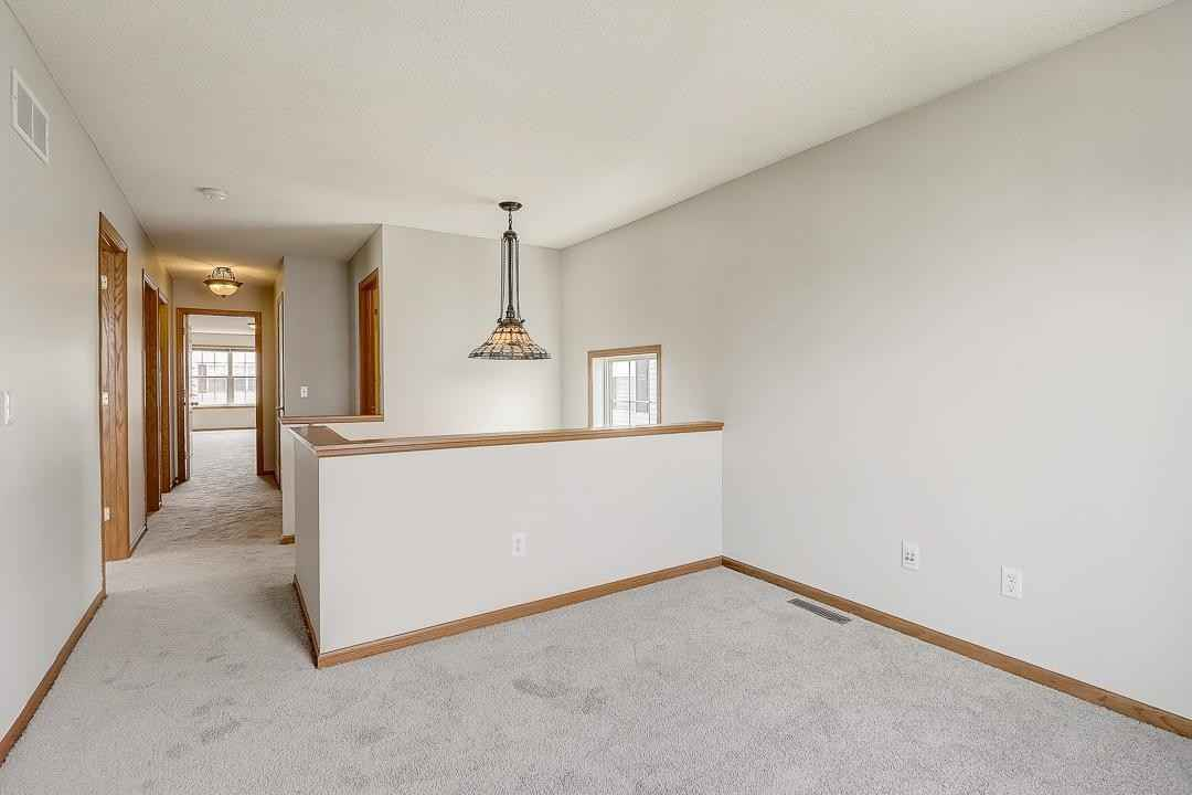 View 47 photos of this 4 bed, 4 bath, and 2,685 sqft. single_family home located at 4865 Bulrush Blvd, Shakopee, Minnesota 55379 is Active for $375,000.