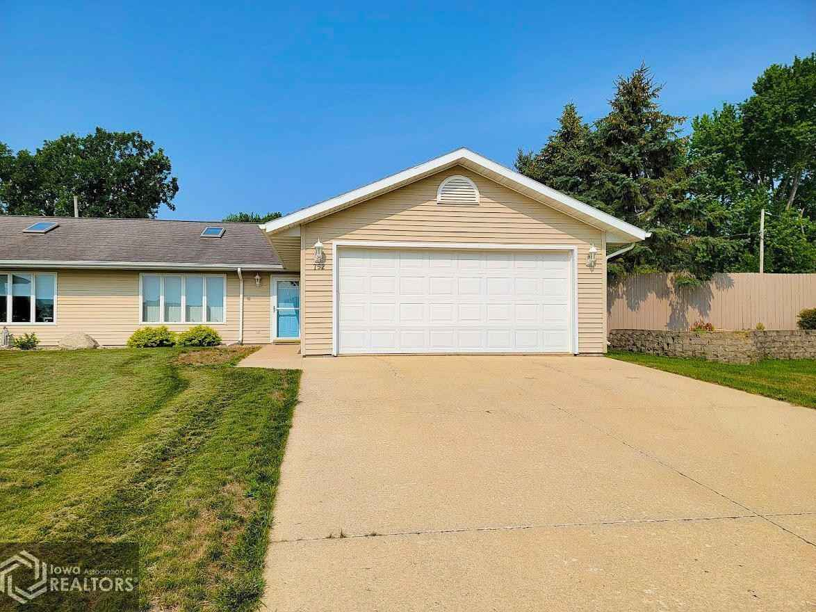 View 14 photos of this 2 bed, 1 bath, and 1,320 sqft. condo home located at 752 Todd Ave, Emmons, Minnesota 56029 is Active for $124,900.