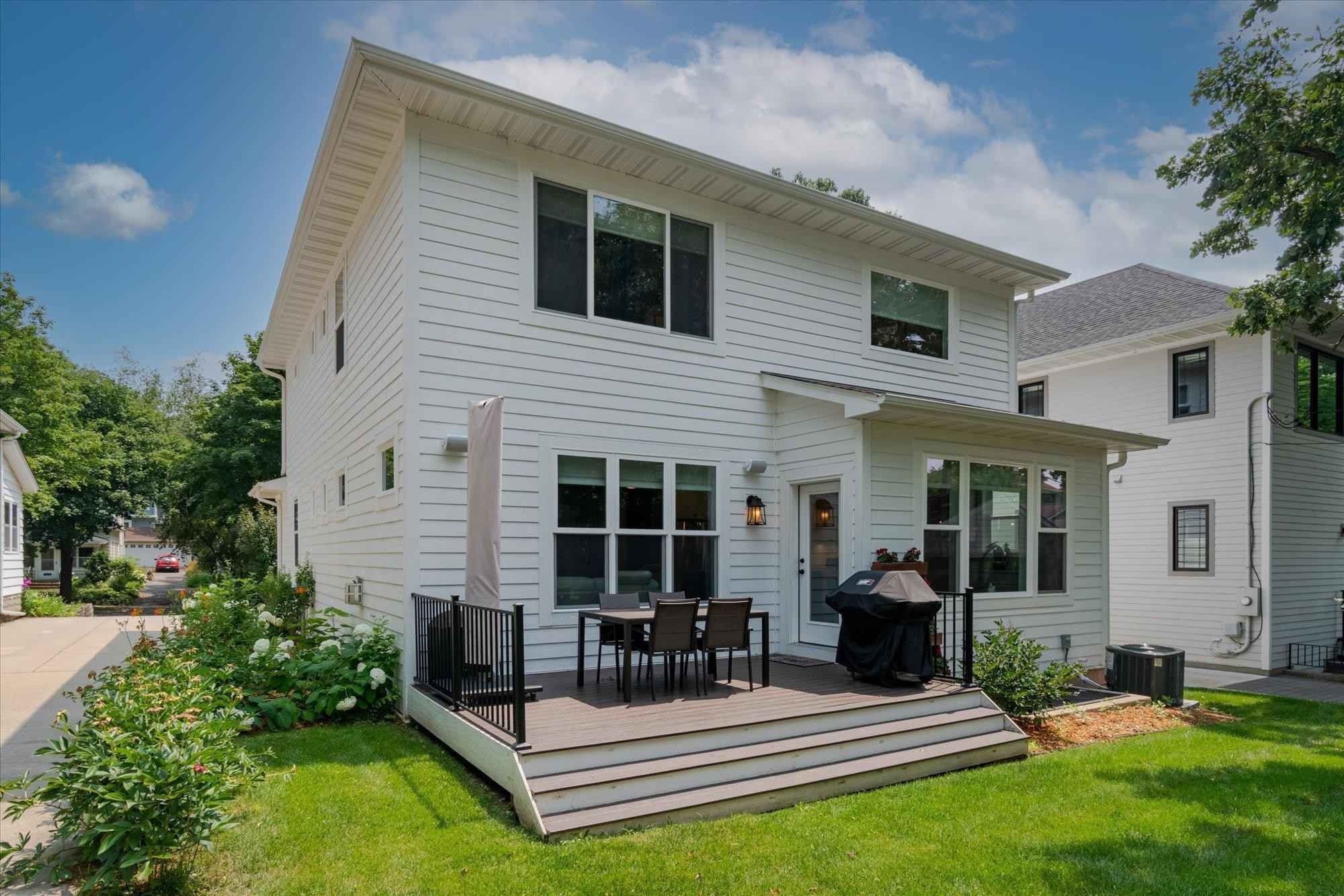 View 55 photos of this 4 bed, 4 bath, and 3,370 sqft. single_family home located at 4524 York Ave S, Minneapolis, Minnesota 55410 is Active for $1,125,000.