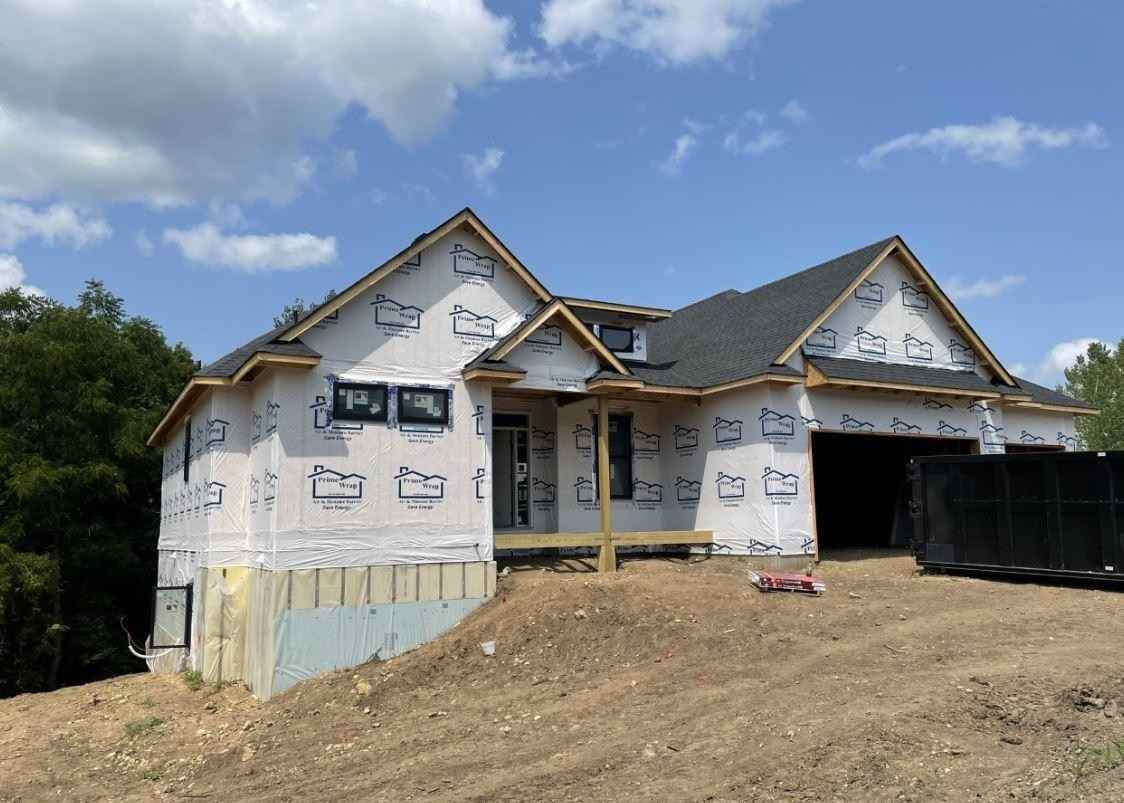 View 12 photos of this 3 bed, 3 bath, and 2,893 sqft. single_family home located at 2670 Woodcliff Trl, Hastings, Minnesota 55033 is Active for $689,850.