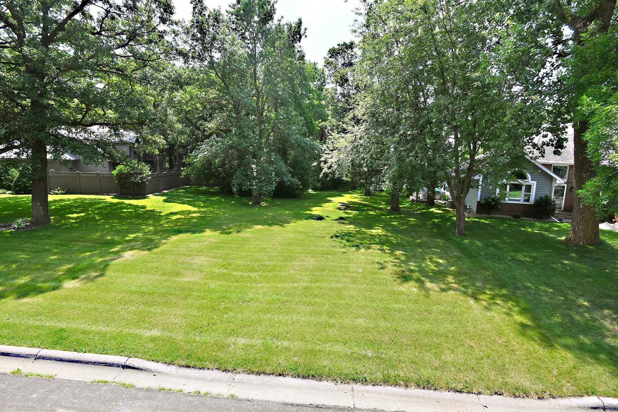 View 2 photos of this _0 bed, _0 bath, and  sqft. land home located at 1467 Nottingham Dr SE, Owatonna, Minnesota 55060 is Active for $33,950.