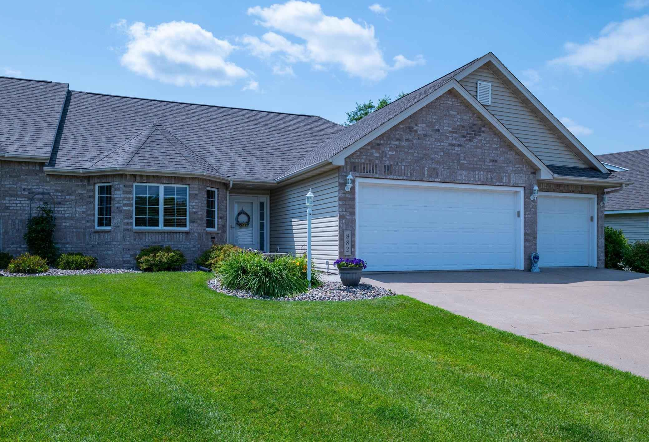 View 41 photos of this 3 bed, 3 bath, and 2,944 sqft. condo home located at 882 Aurora Cir, Red Wing, Minnesota 55066 is Active for $389,850.