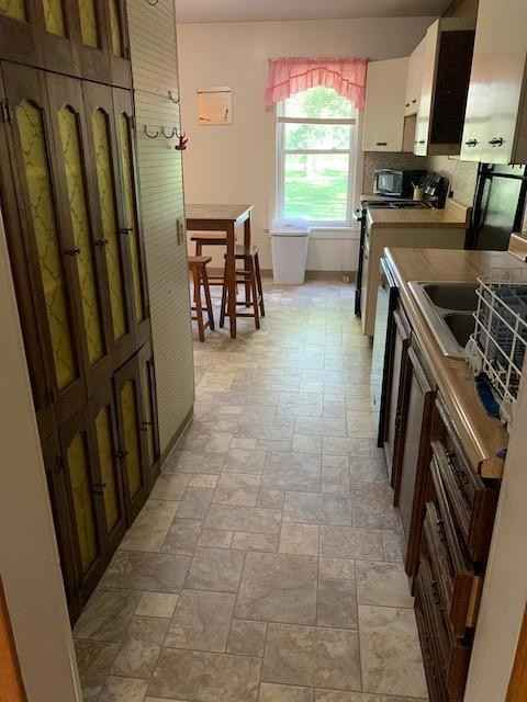 View 45 photos of this 4 bed, 2 bath, and 1,481 sqft. single_family home located at 37984 US Highway 14, Springfield, Minnesota 56087 is Active for $150,000.