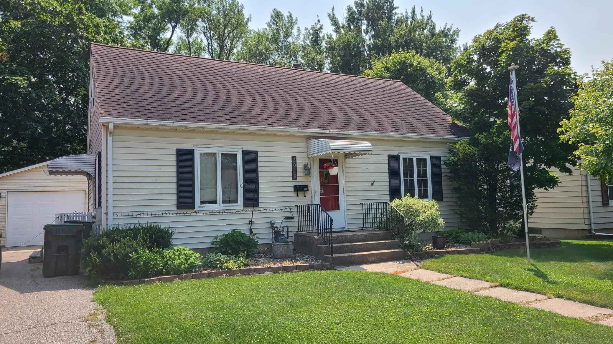 View 9 photos of this 3 bed, 3 bath, and 1,319 sqft. single_family home located at 2018 6th Ave NE, Austin, Minnesota 55912 is Pending for $137,900.