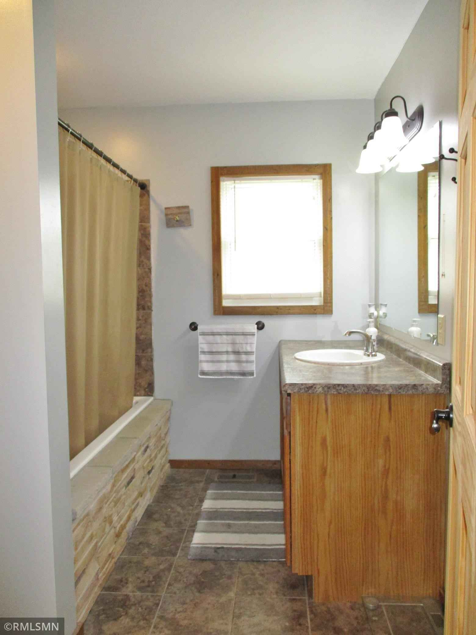 View 28 photos of this 2 bed, 2 bath, and 1,079 sqft. single_family home located at 503 5th St NW, Aitkin, Minnesota 56431 is Pending for $175,000.