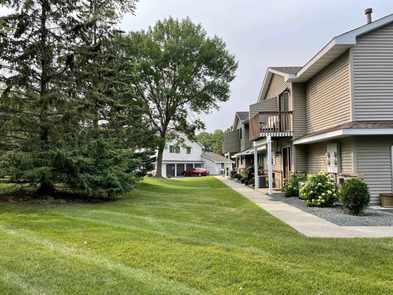 View 13 photos of this 2 bed, 1 bath, and 1,028 sqft. condo home located at 7487 Vinewood Ln N, Maple Grove, Minnesota 55311 is Pending for $195,000.