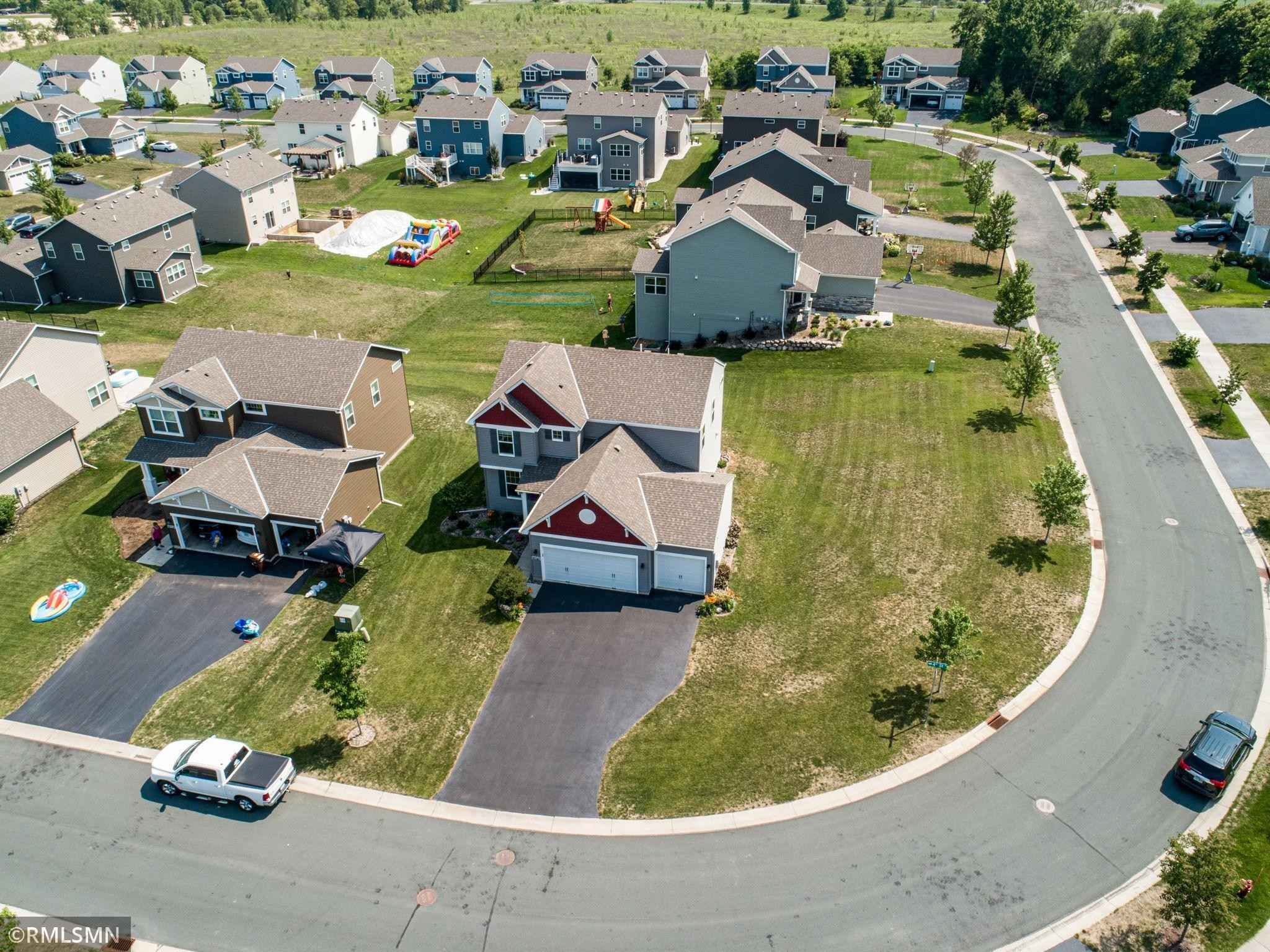 View 37 photos of this 4 bed, 4 bath, and 3,700 sqft. single_family home located at 11079 4th St N, Lake Elmo, Minnesota 55042 is Active for $484,990.