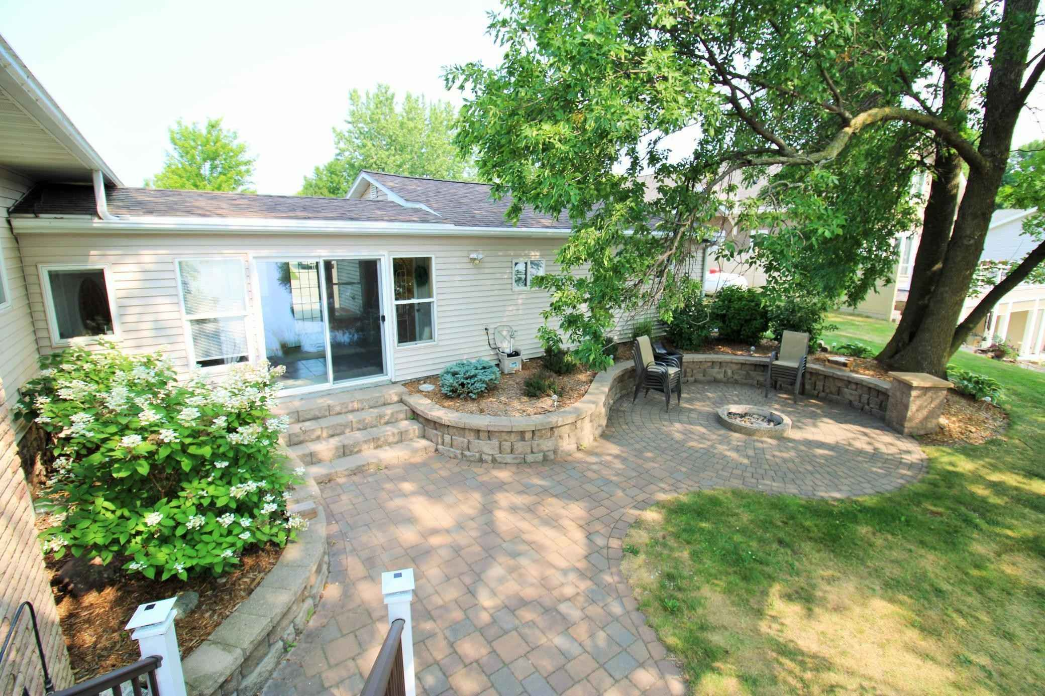 View 36 photos of this 4 bed, 2 bath, and 2,140 sqft. single_family home located at 13271 13th St NW, Spicer, Minnesota 56288 is Pending for $550,000.