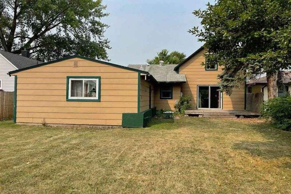 View 7 photos of this 4 bed, 2 bath, and 1,226 sqft. single_family home located at 408 Governor St, Oklee, Minnesota 56742 is Active for $89,900.