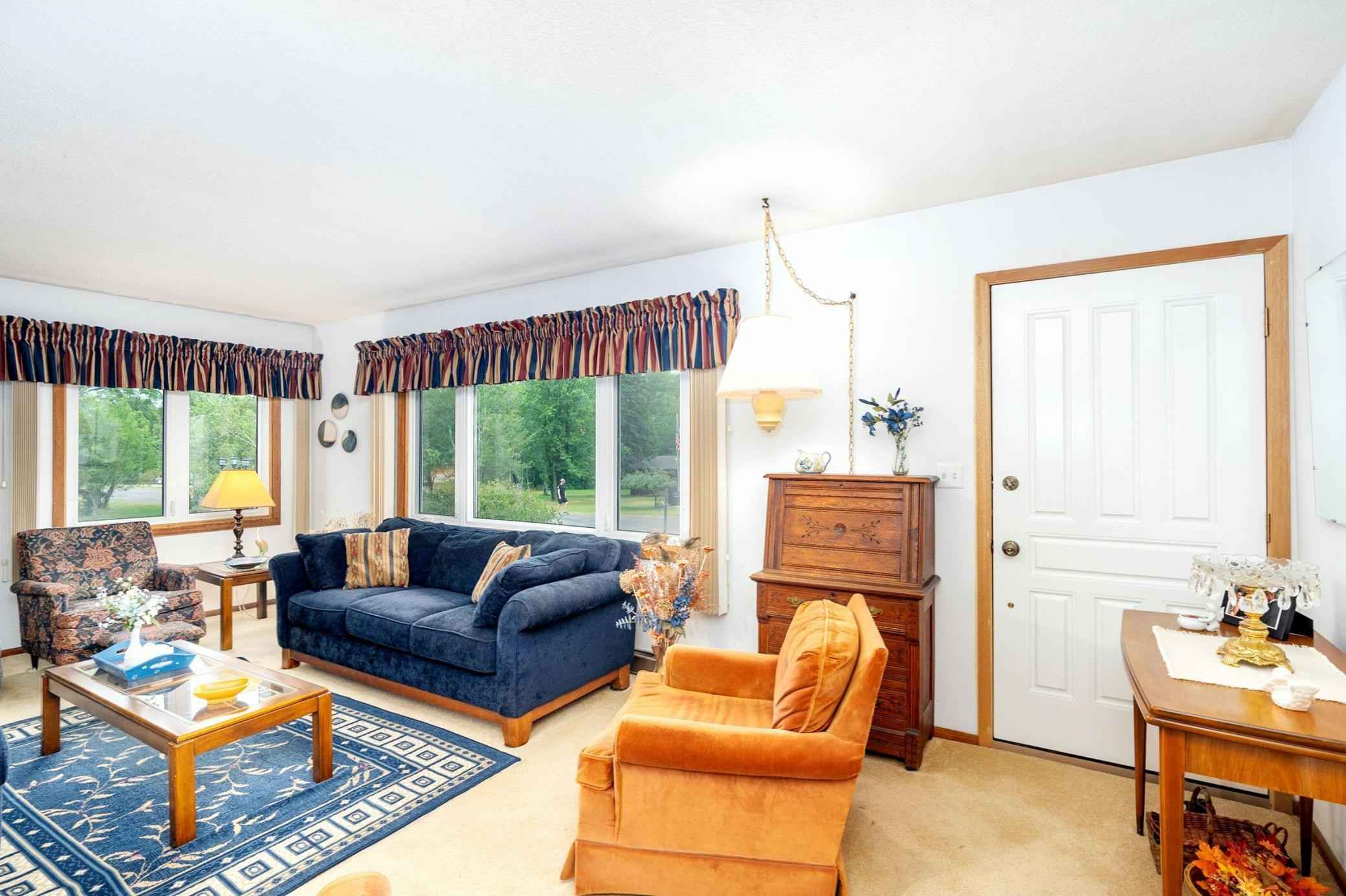 View 34 photos of this 3 bed, 2 bath, and 1,555 sqft. single_family home located at 129 Olive St, Duluth, Minnesota 55811 is Active for $250,000.